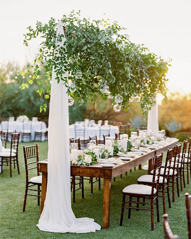 I love Arizona winters. They (kinda) make up for the boiling hot summers. Today is going to be a high of 74. What could be better?! Hope you all have a fantastic day! . . @elysehallphotography @revelweddingcompany @elchorroweddings @eventrentsaz