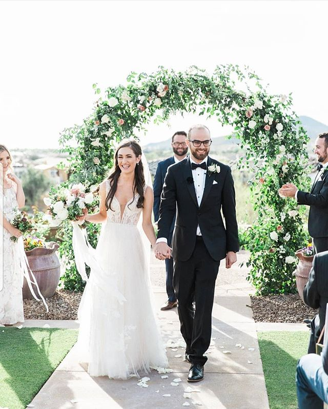 One of my favorite ceremony photos. Just effortless and incredibly happy.  @rachelsolomonphoto @blackstoneccaz @weddingsatblackstone