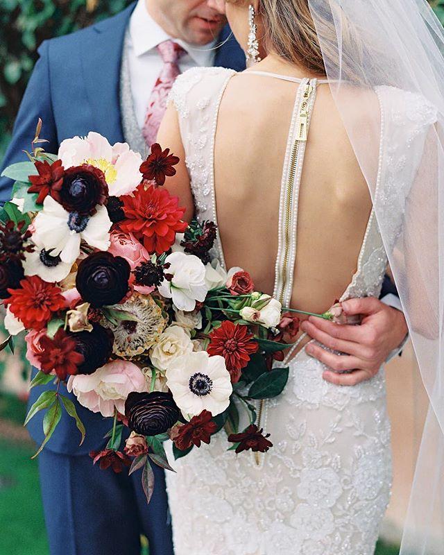 Love ❤️ . Fall weddings are just around the corner. Excited for all the dark moody tones.  @danielkimphoto @kaylabellitt @somelikeitclassic @royalpalmsweddings
