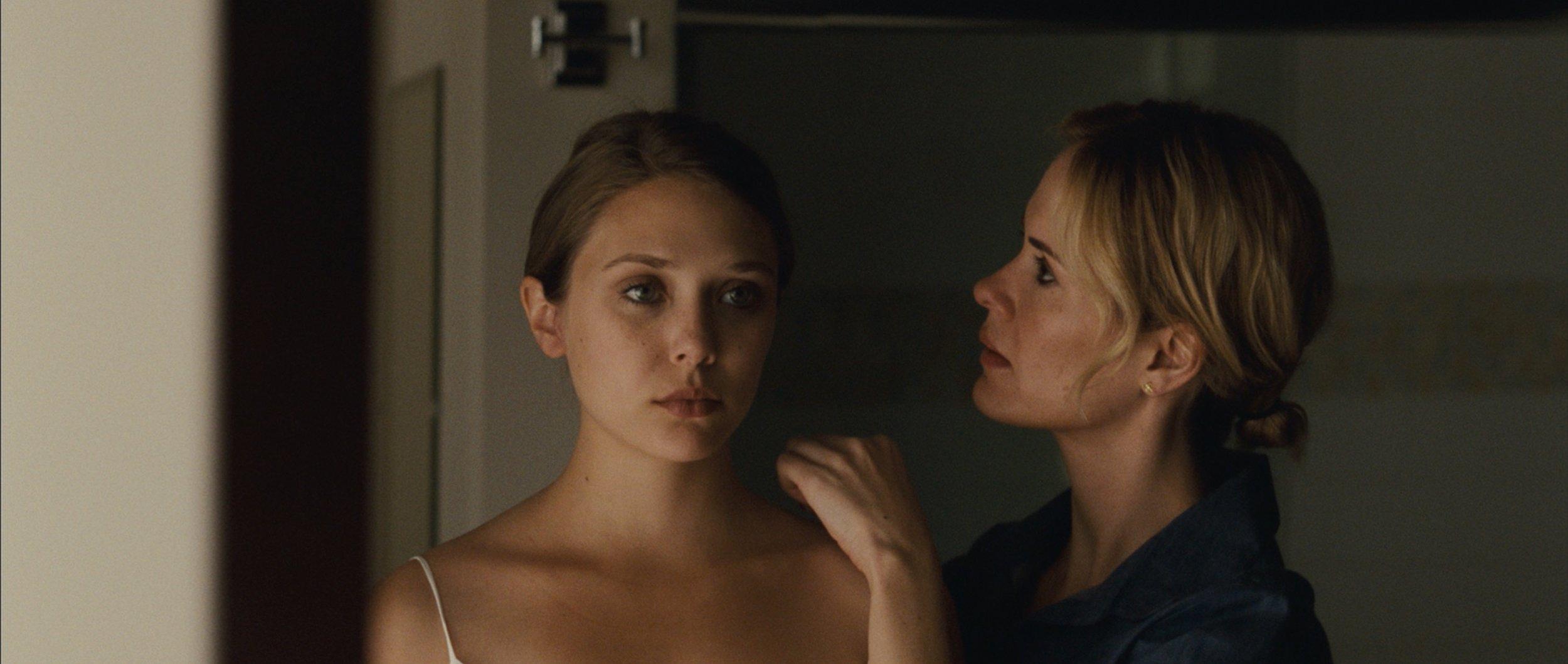 Martha_Marcy_May_Marlene_movie_image_elizabeth_olson_01.jpg