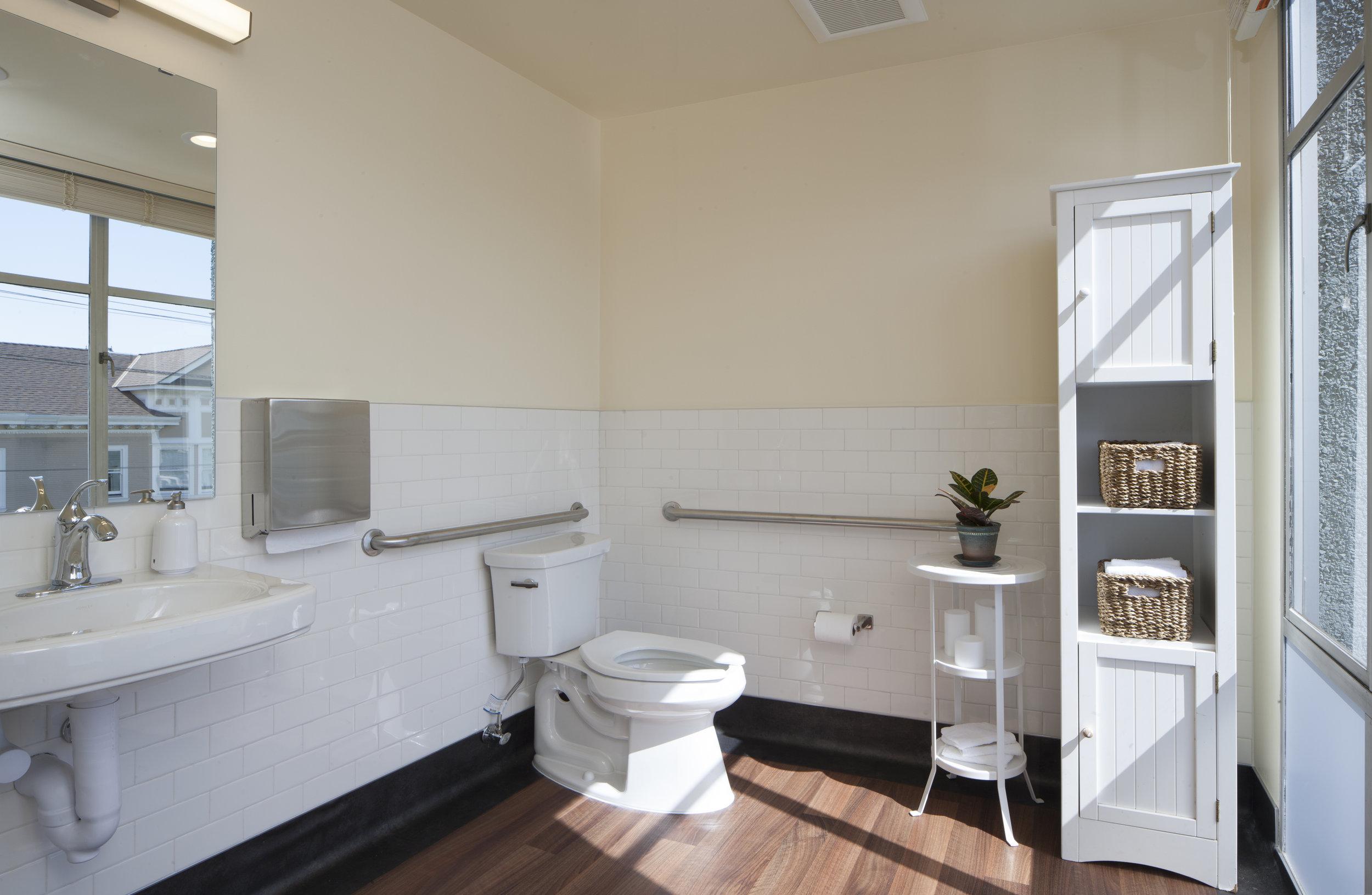 birthing suite restroom