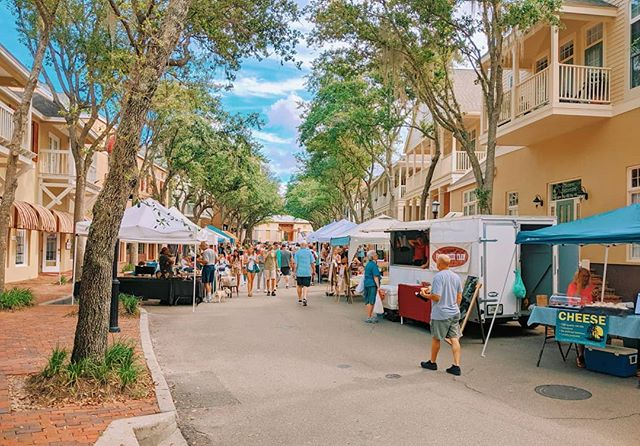 🚨Giveway Alert 🚨Happy national farmers market week everyone!  We will be celebrating all day tomorrow with some awesome raffels, live music, and of course FOOD!  Let's start the first giveaway a little early. Comment your favorite thing about @hailefarmersmarket and one random person will win a free $5 HFM gift card! Ready..set..GO!