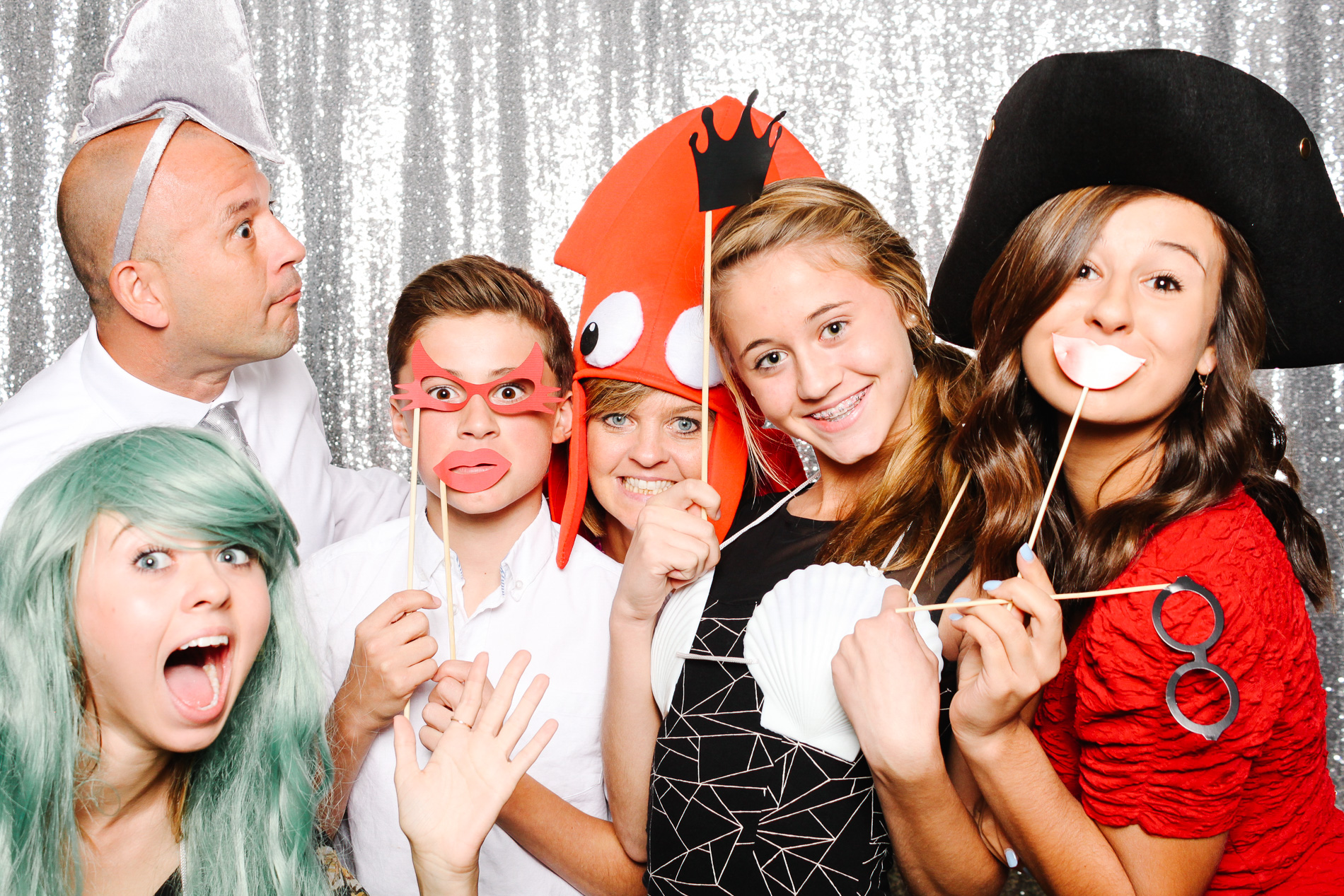 grin-and-bear-booth-photobooth-181240.jpg