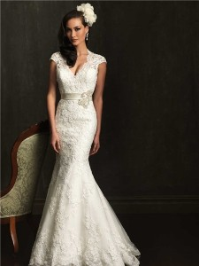 lace-trumpet-wedding-dress.jpg