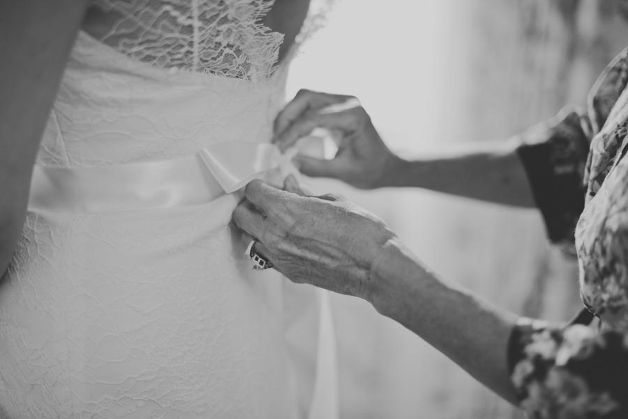 vneck-lace-trumpet-wedding-dress-2.jpg
