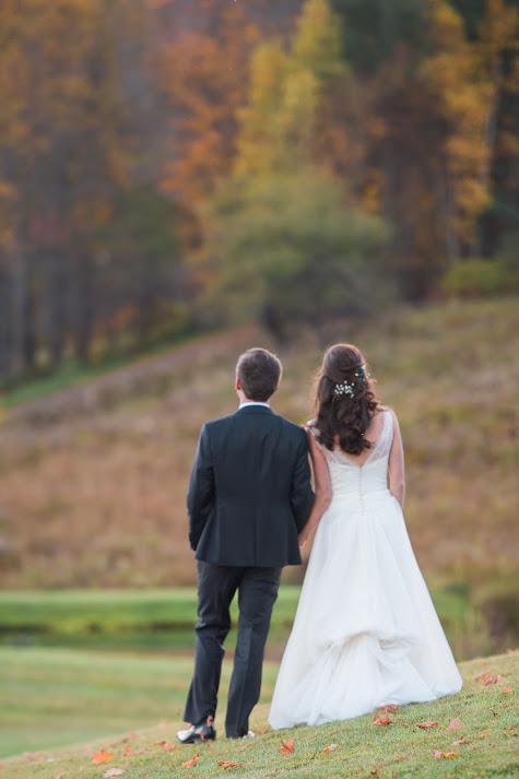v-neck-lace-A-line-wedding-dress-10.jpg