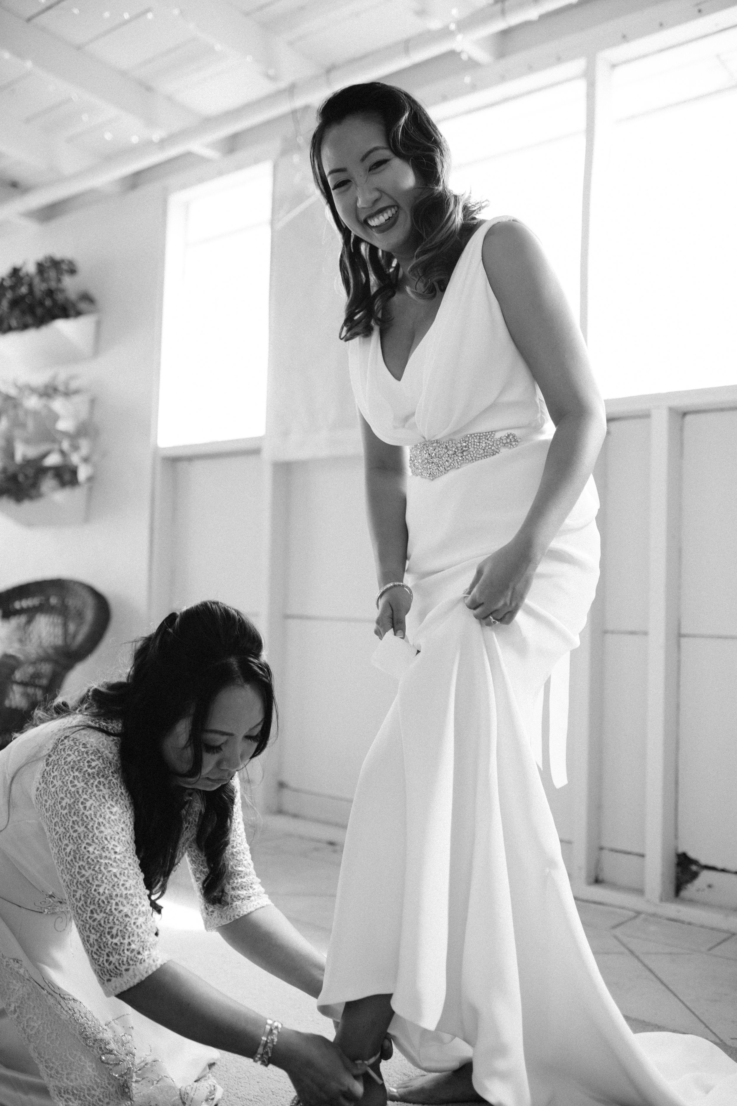 silk-crepe-v-neck-wedding-dress-2.jpg