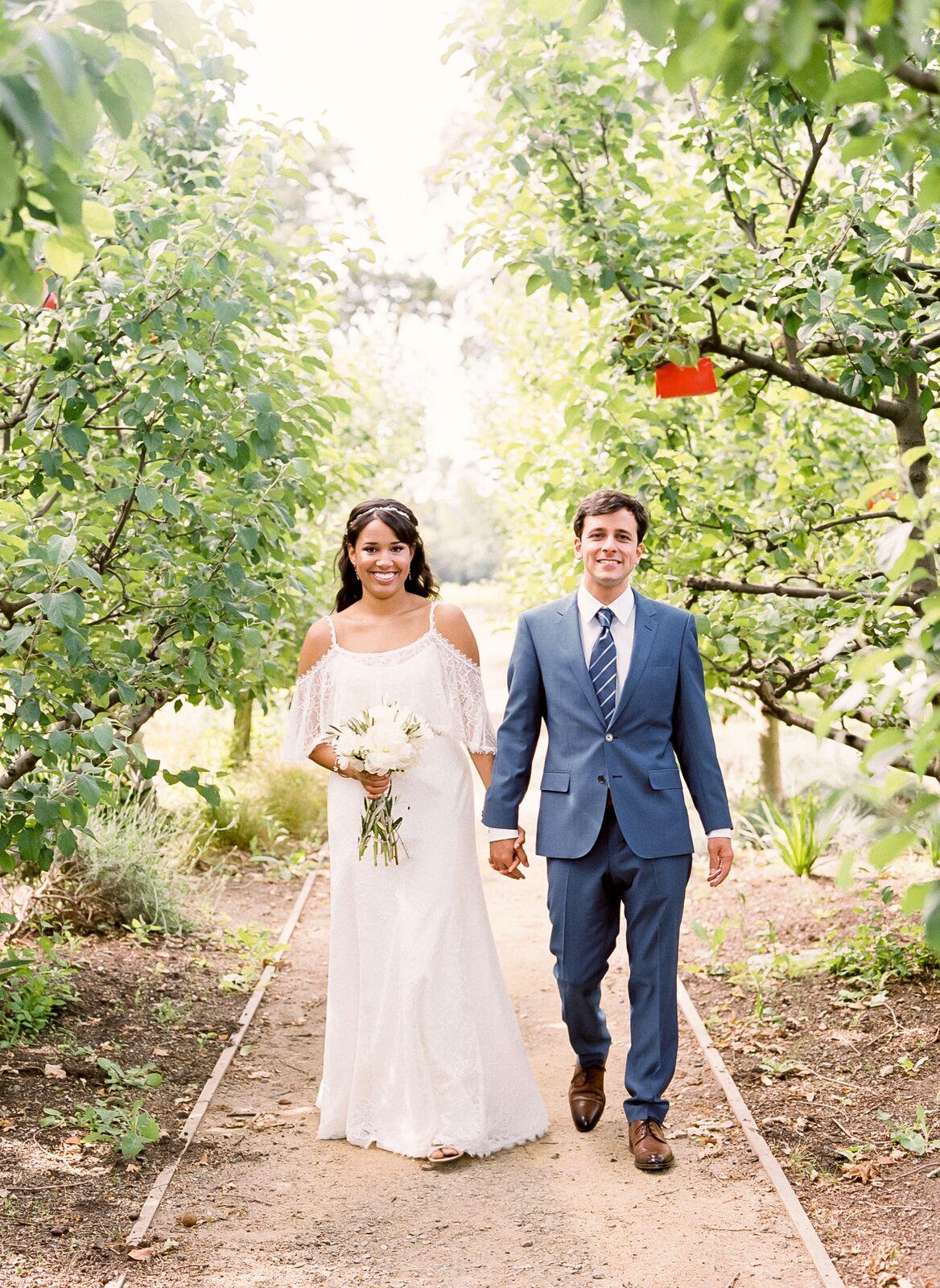 bohemian-lace-wedding-dress-5.jpg