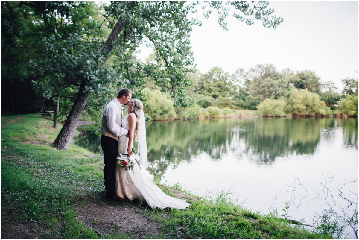 katy-sergent-photography-tennessee-wedding-engagement-johnson-city-lodges-at-gettysburg-rustic_0076.jpg