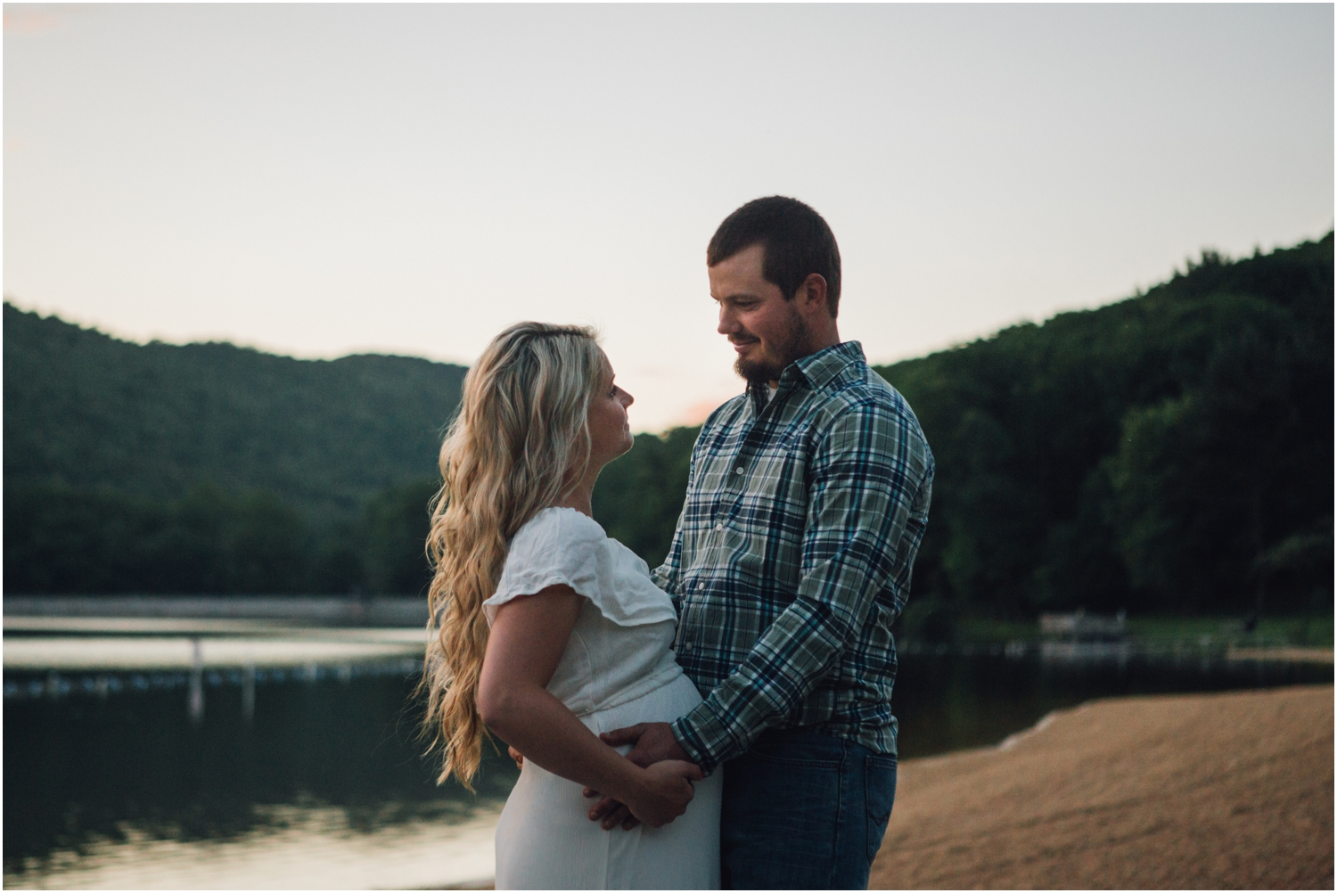 katy-sergent-photography-johnson-city-tennessee-northest-tn-elopement-intimate-wedding-photographer-outdoors-adventurous-couples-adventure-lovers_0021.jpg