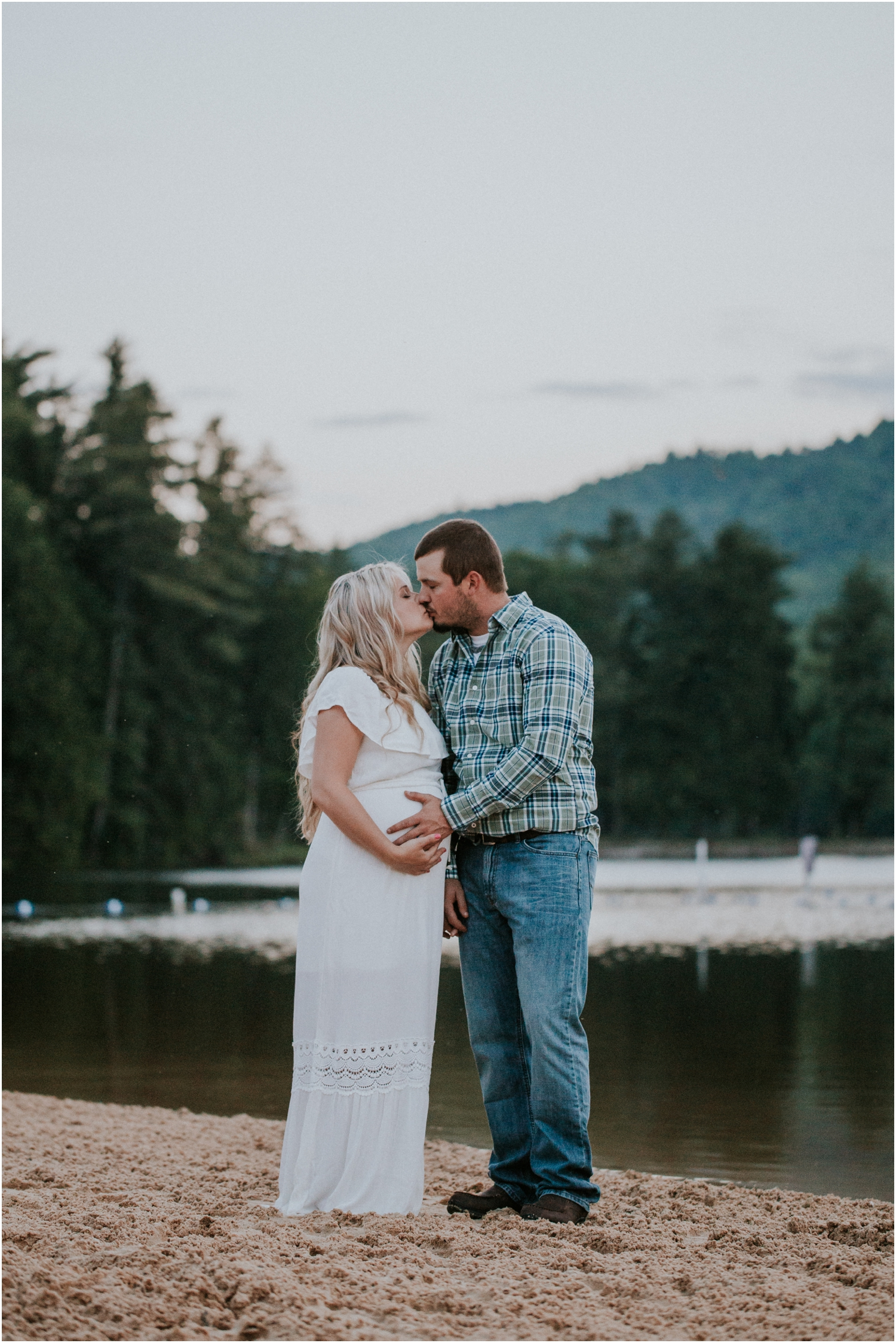 katy-sergent-photography-johnson-city-tennessee-northest-tn-elopement-intimate-wedding-photographer-outdoors-adventurous-couples-adventure-lovers_0035.jpg