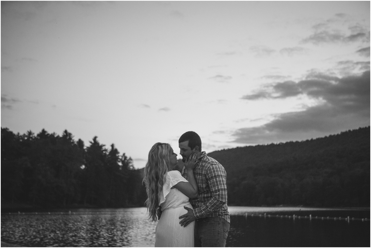 katy-sergent-photography-johnson-city-tennessee-northest-tn-elopement-intimate-wedding-photographer-outdoors-adventurous-couples-adventure-lovers_0037.jpg