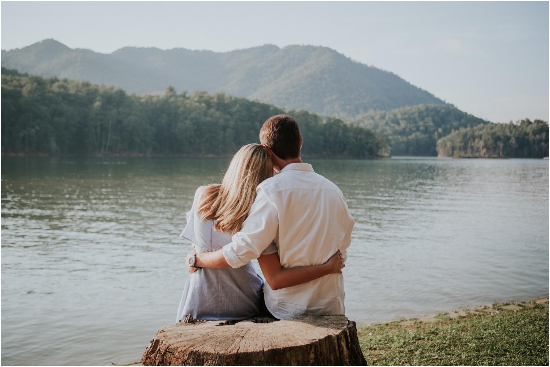 katy-sergent-photography-watauga-lake-engagement-session-northeast-tennessee-wedding-intimate-elopement-engagement-photographer-johnson-city-butler-adventurous-couples-adventure-explore-outdoors_0004.jpg