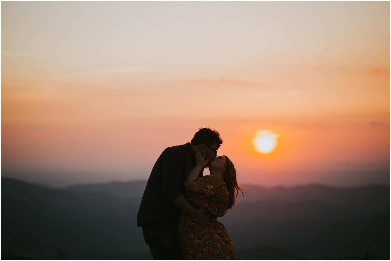 katy-sergent-photography-beauty-spot-unaka-mountain-engagement-blue-ridge-mountains-appalachian-trail-adventurous-couple-elopement-johnson-city-wedding-photographer_0022.jpg