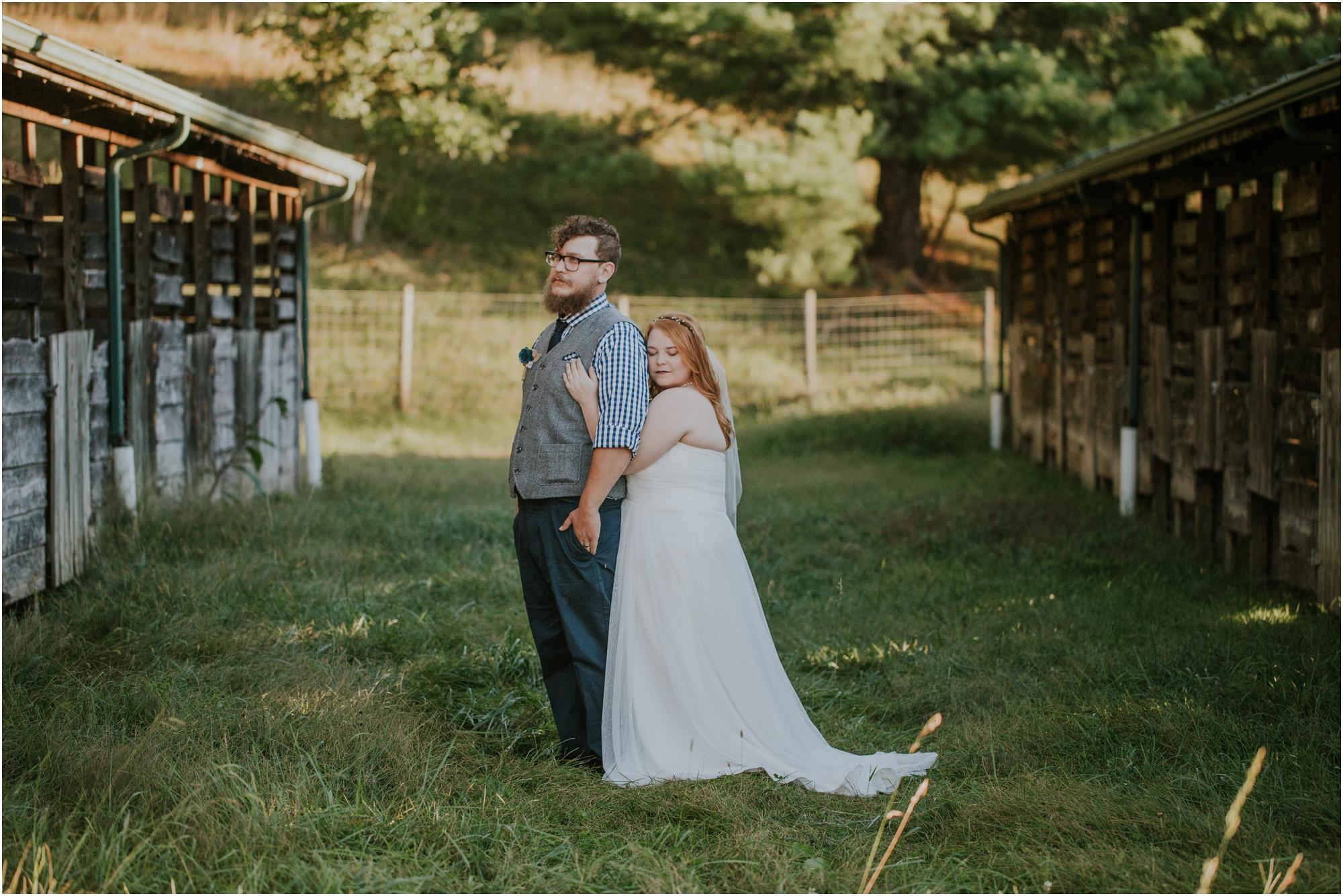 abingdon-virginia-rustic-fall-4hcenter-wedding-photography_0074.jpg