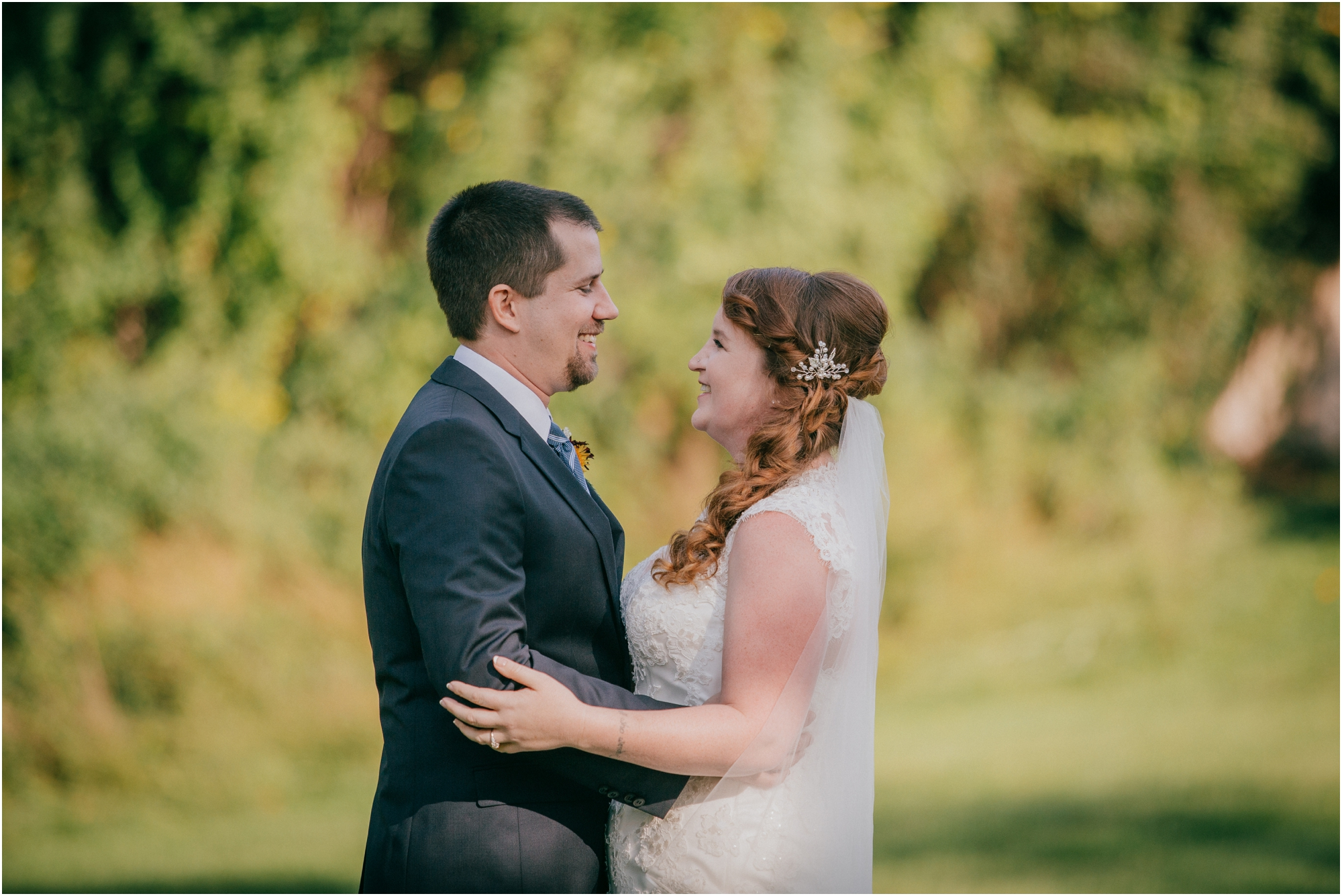 Fall-gem-stone-earthy-succulent-mount-airy-mansion-wedding-tennessee-elopement-photographer_0037.jpg