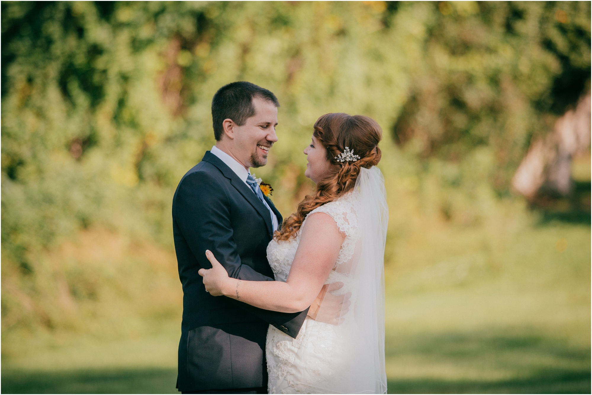 Fall-gem-stone-earthy-succulent-mount-airy-mansion-wedding-tennessee-elopement-photographer_0038.jpg