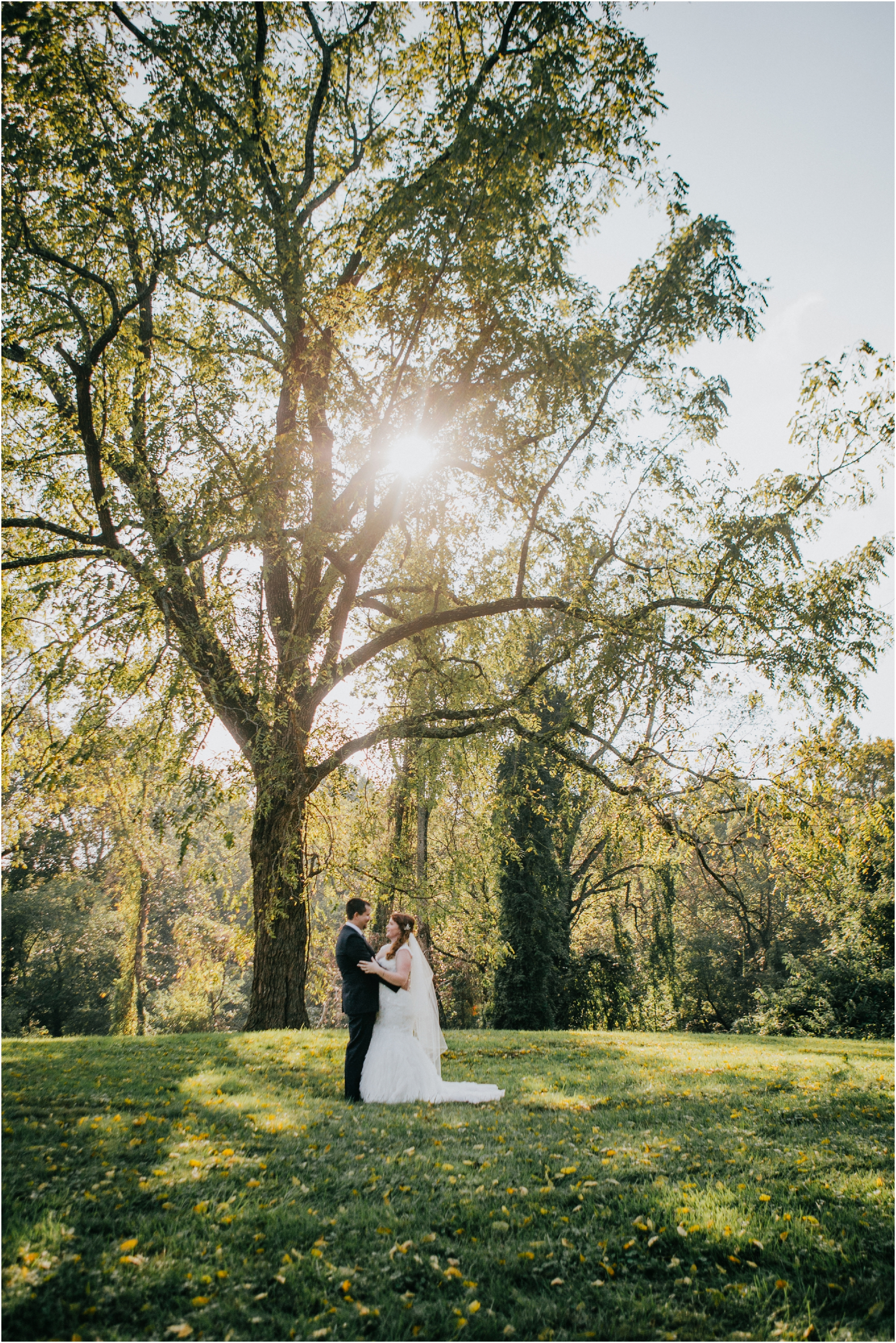 Fall-gem-stone-earthy-succulent-mount-airy-mansion-wedding-tennessee-elopement-photographer_0044.jpg