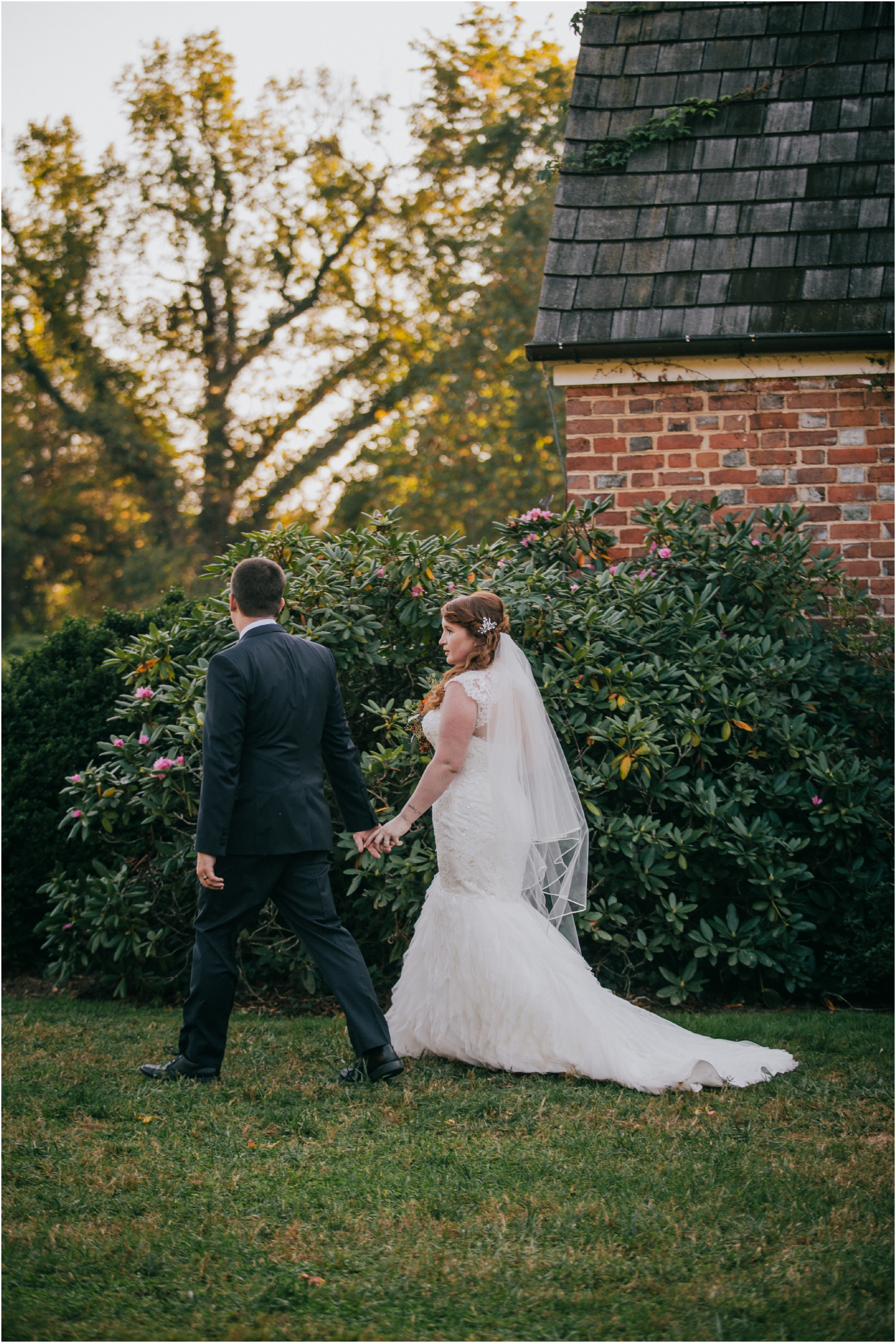 Fall-gem-stone-earthy-succulent-mount-airy-mansion-wedding-tennessee-elopement-photographer_0108.jpg