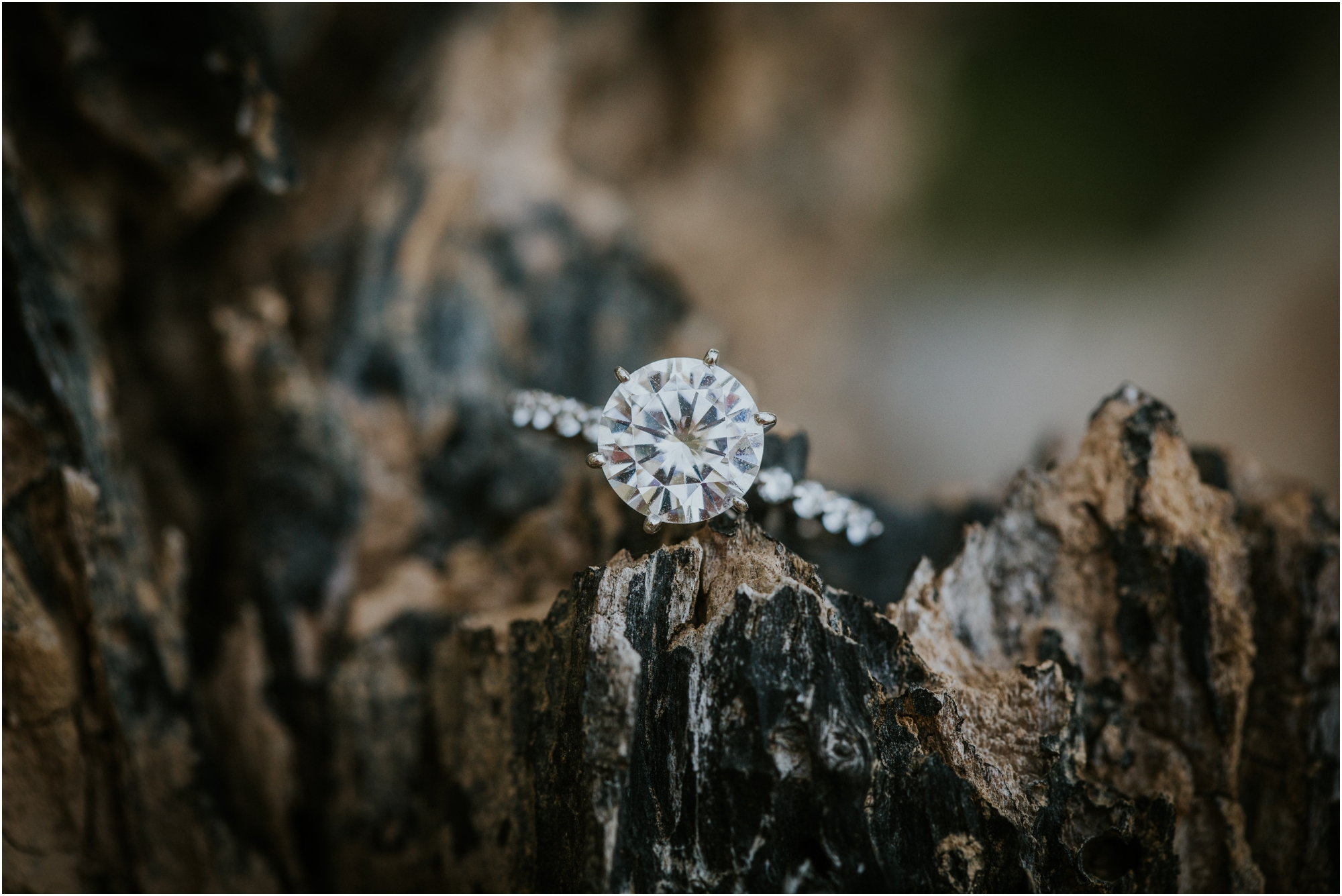 adventurous-what-to-wear-engagement-anniversary-couples-mountain-lake-outdoors-tennessee-session-katy-sergent_0016.jpg