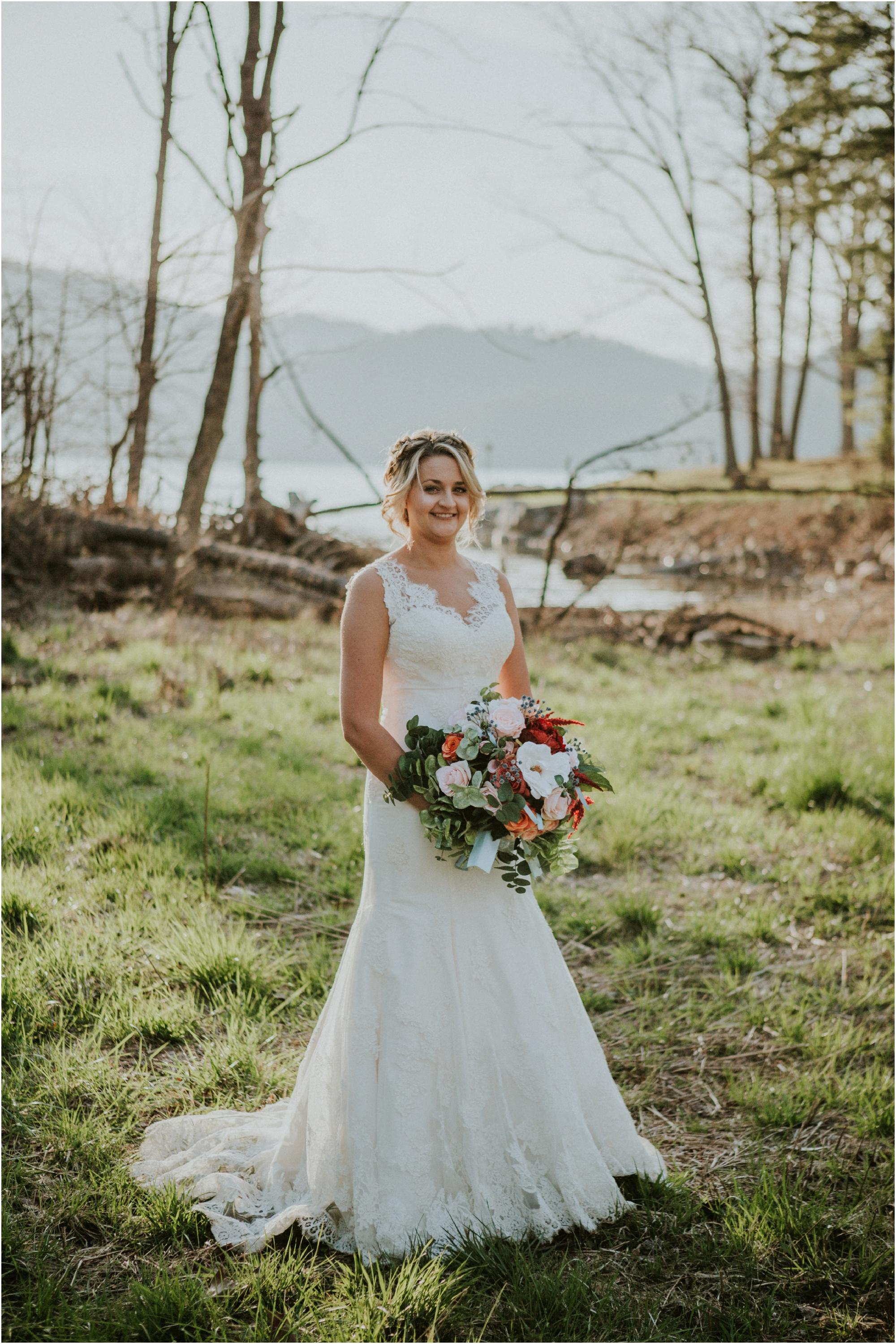 watauga-lake--bohemian-bridal-styled-session-northeast-tennessee-wedding-elopement-photography_0003.jpg