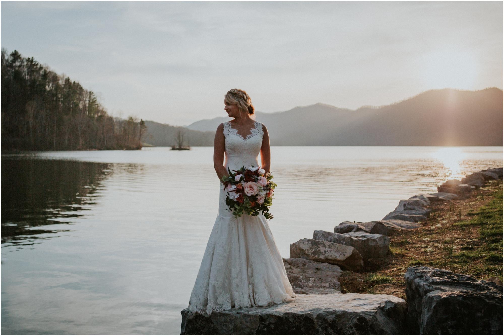 watauga-lake--bohemian-bridal-styled-session-northeast-tennessee-wedding-elopement-photography_0010.jpg