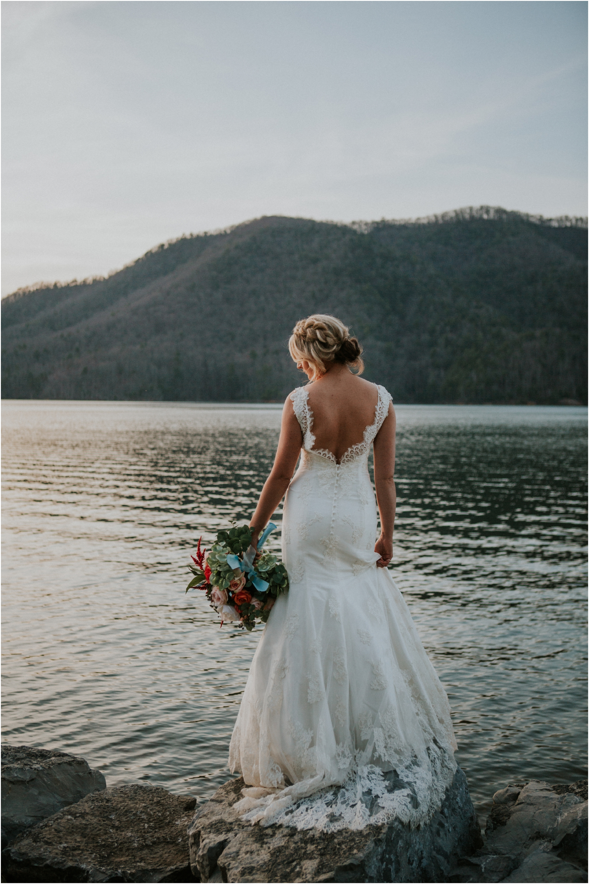 watauga-lake--bohemian-bridal-styled-session-northeast-tennessee-wedding-elopement-photography_0012.jpg