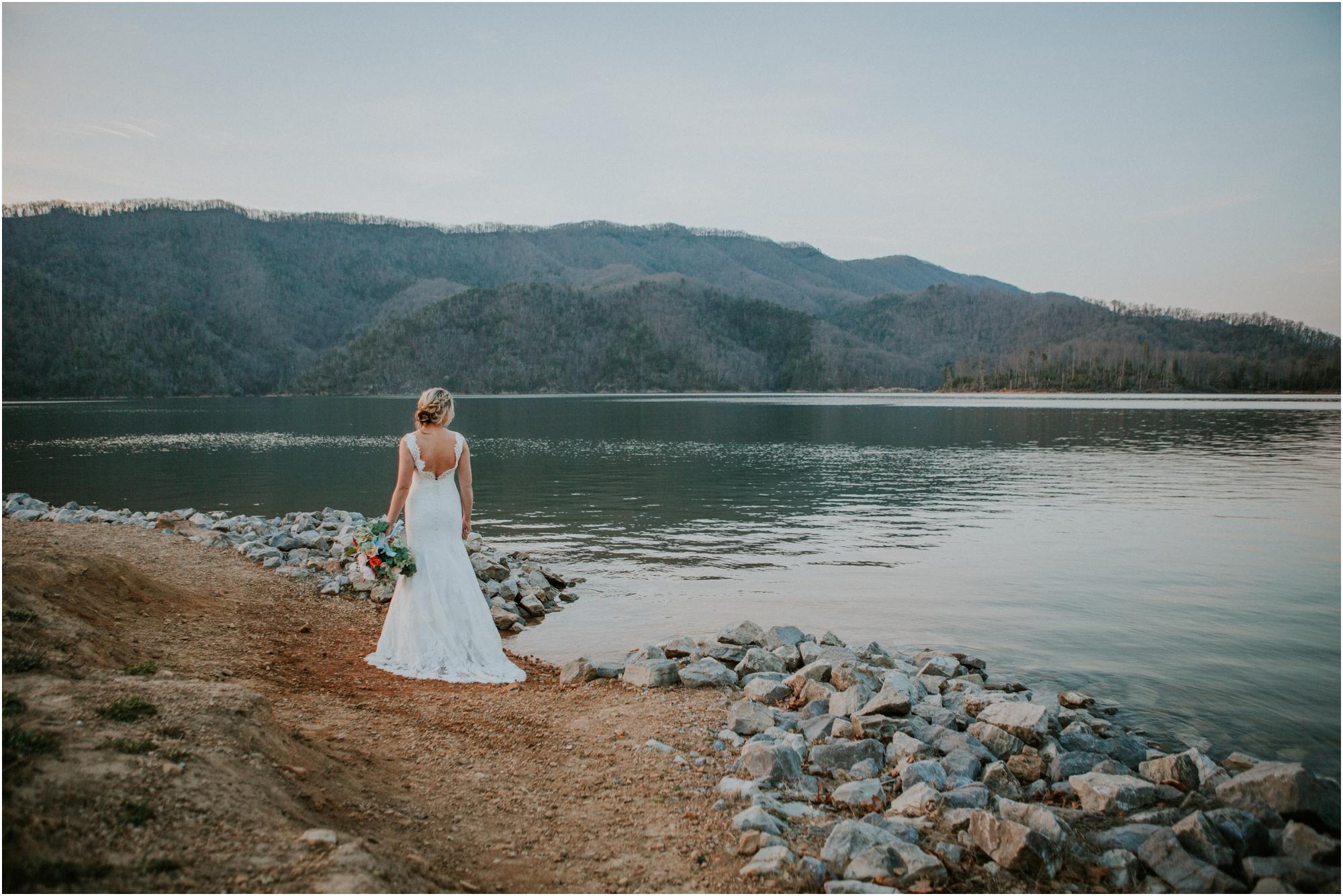 watauga-lake--bohemian-bridal-styled-session-northeast-tennessee-wedding-elopement-photography_0019.jpg