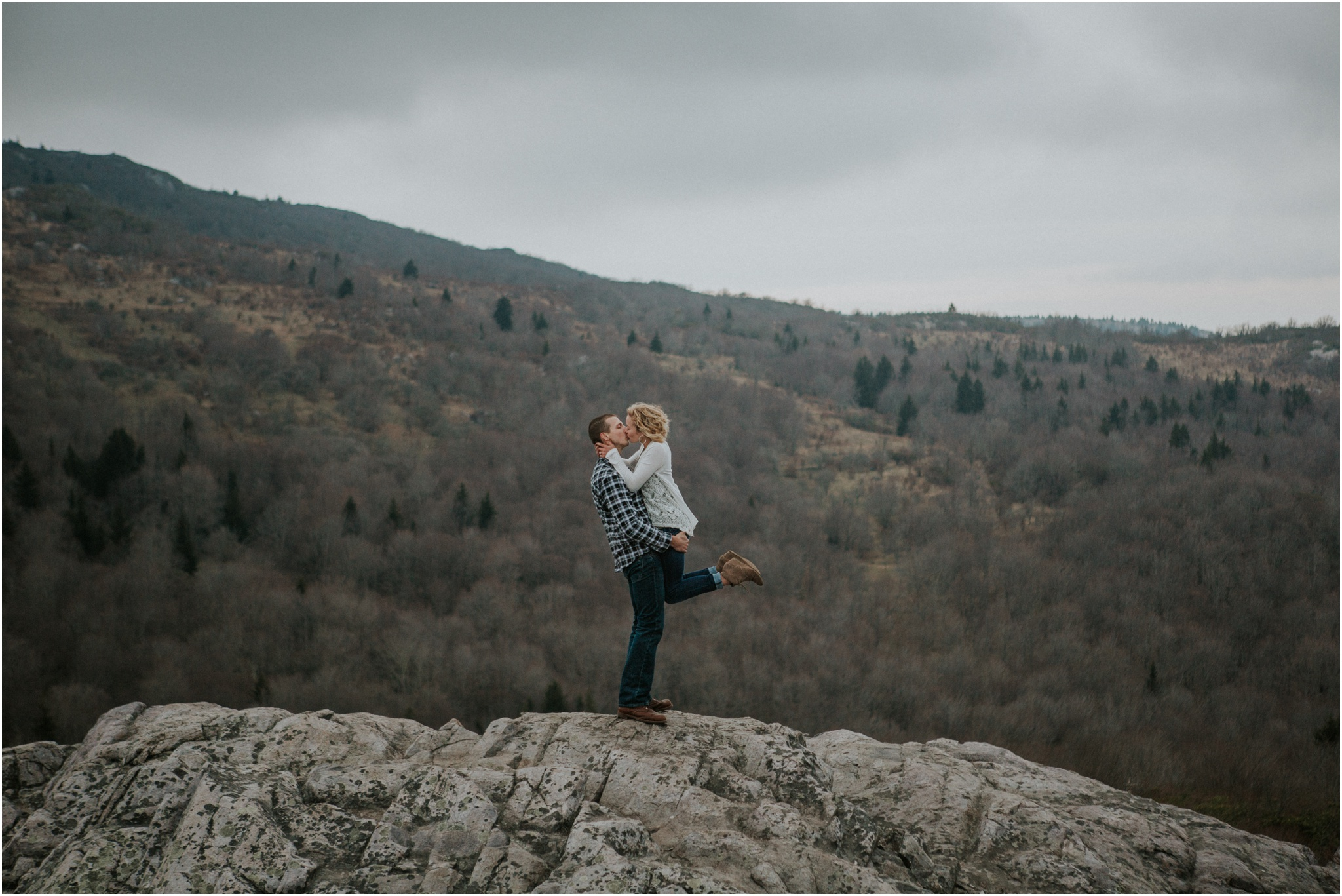 grayson-highlands-engagement-session-foggy-mountain-rustic-appalachian-virginia-katy-sergent-photography_0031.jpg