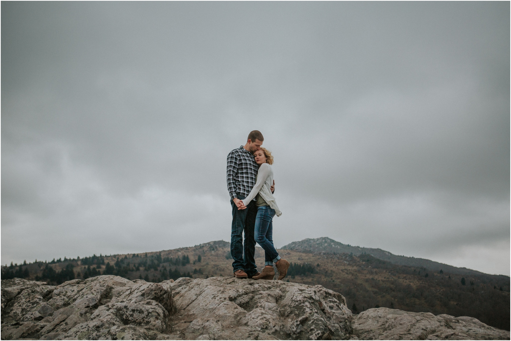grayson-highlands-engagement-session-foggy-mountain-rustic-appalachian-virginia-katy-sergent-photography_0034.jpg