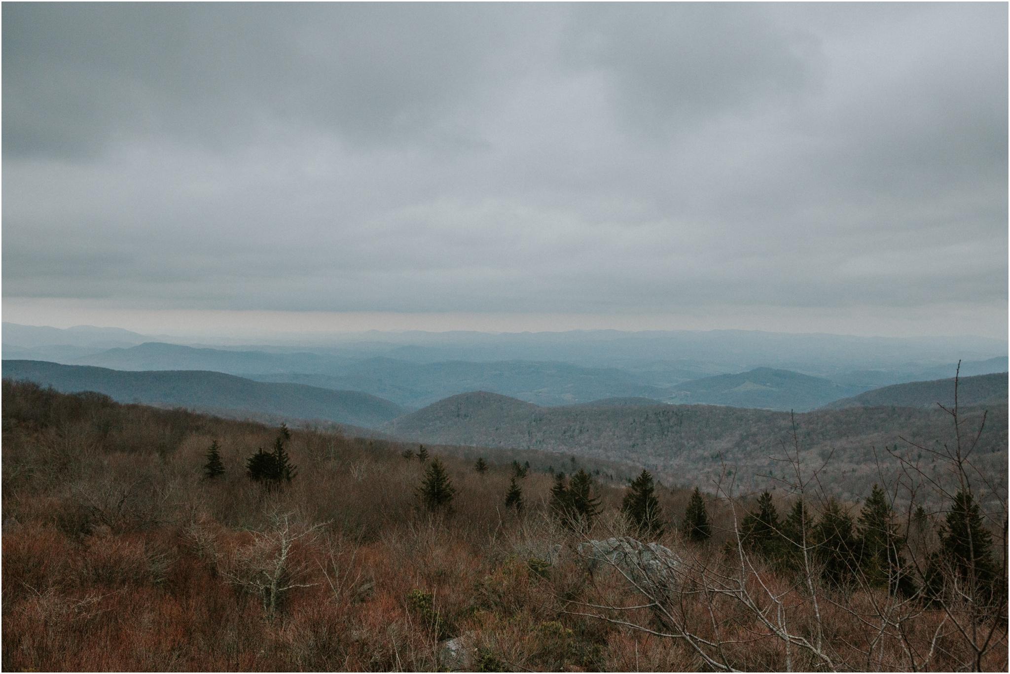 grayson-highlands-engagement-session-foggy-mountain-rustic-appalachian-virginia-katy-sergent-photography_0038.jpg