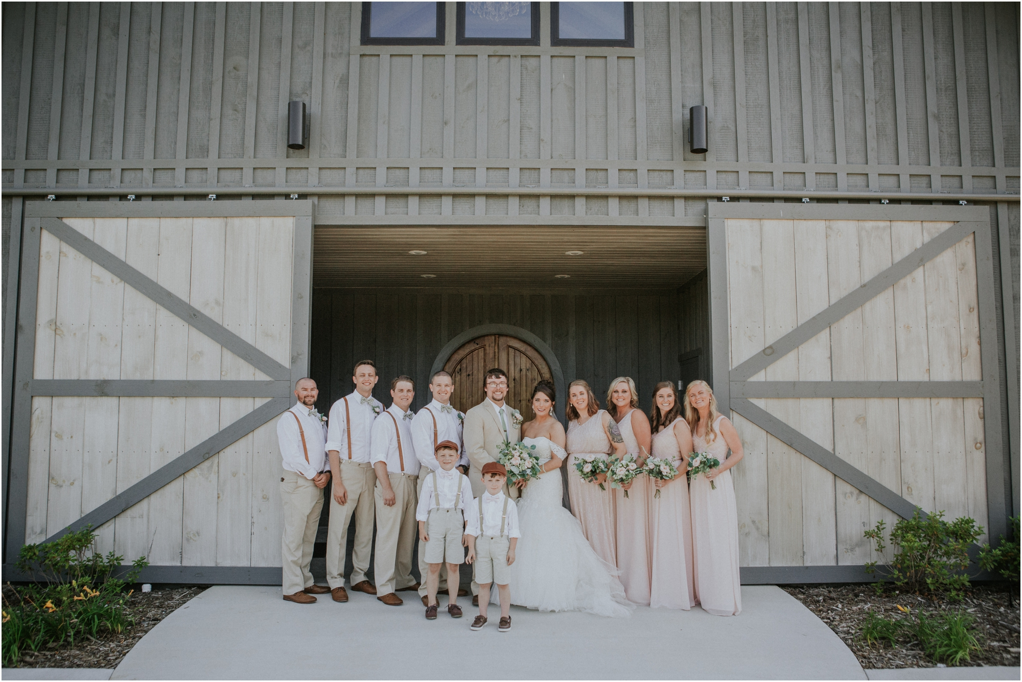 pink-rustic-apple-barn-howe-farms-elegant-summer-wedding-cleveland-tennessee-chattanooga-georgetown-tn_0131.jpg