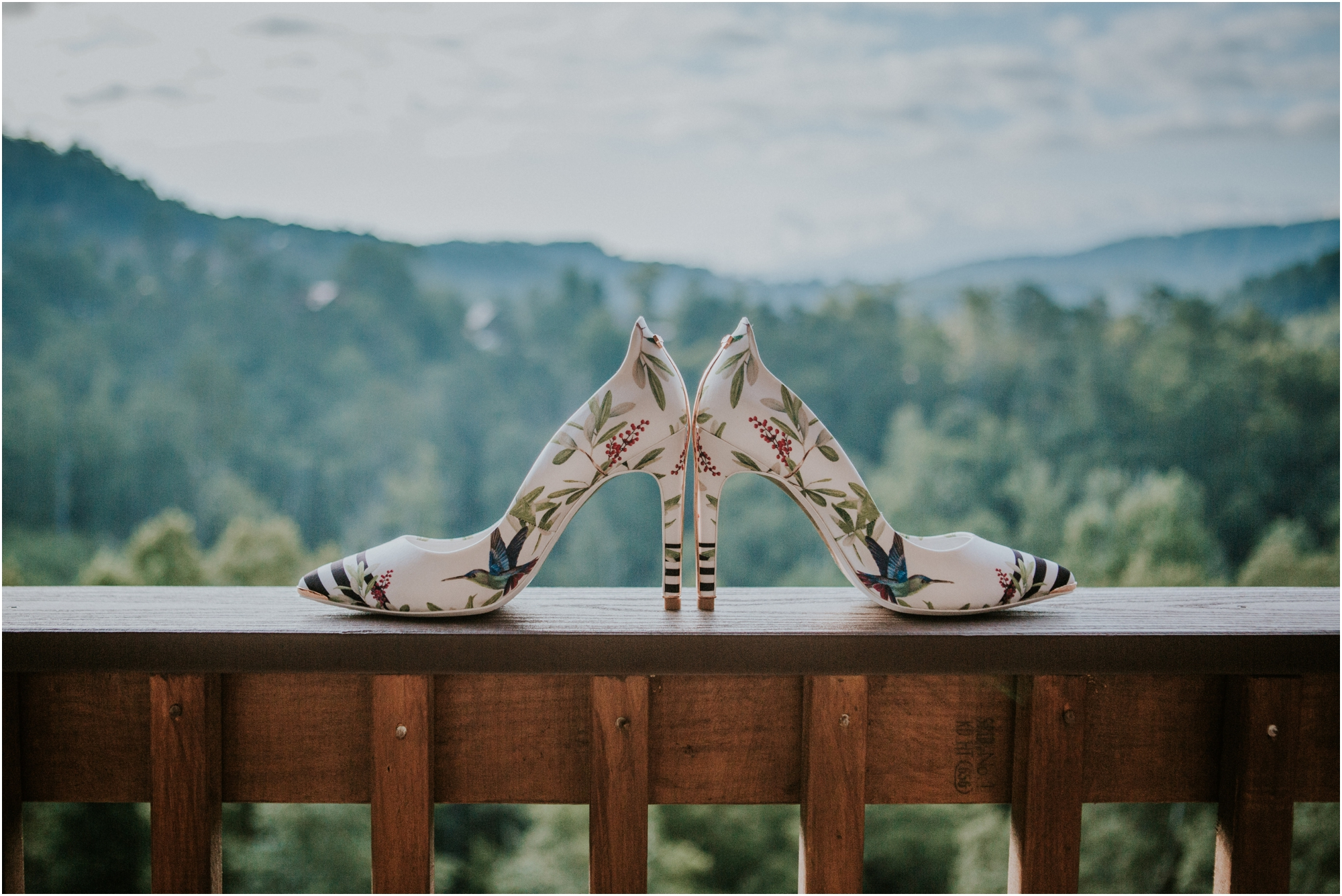 cabin-parkside-resort-the-magnolia-venue-tennessee-mountain-views-intimate-wedding_0016.jpg