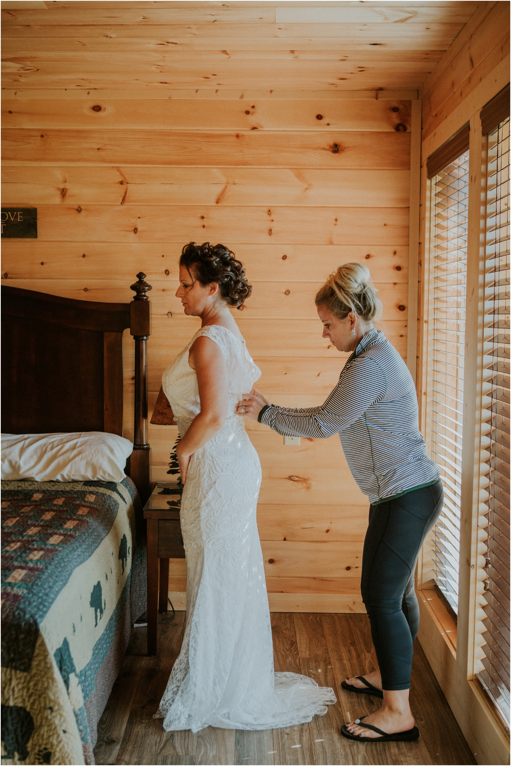 cabin-parkside-resort-the-magnolia-venue-tennessee-mountain-views-intimate-wedding_0042.jpg