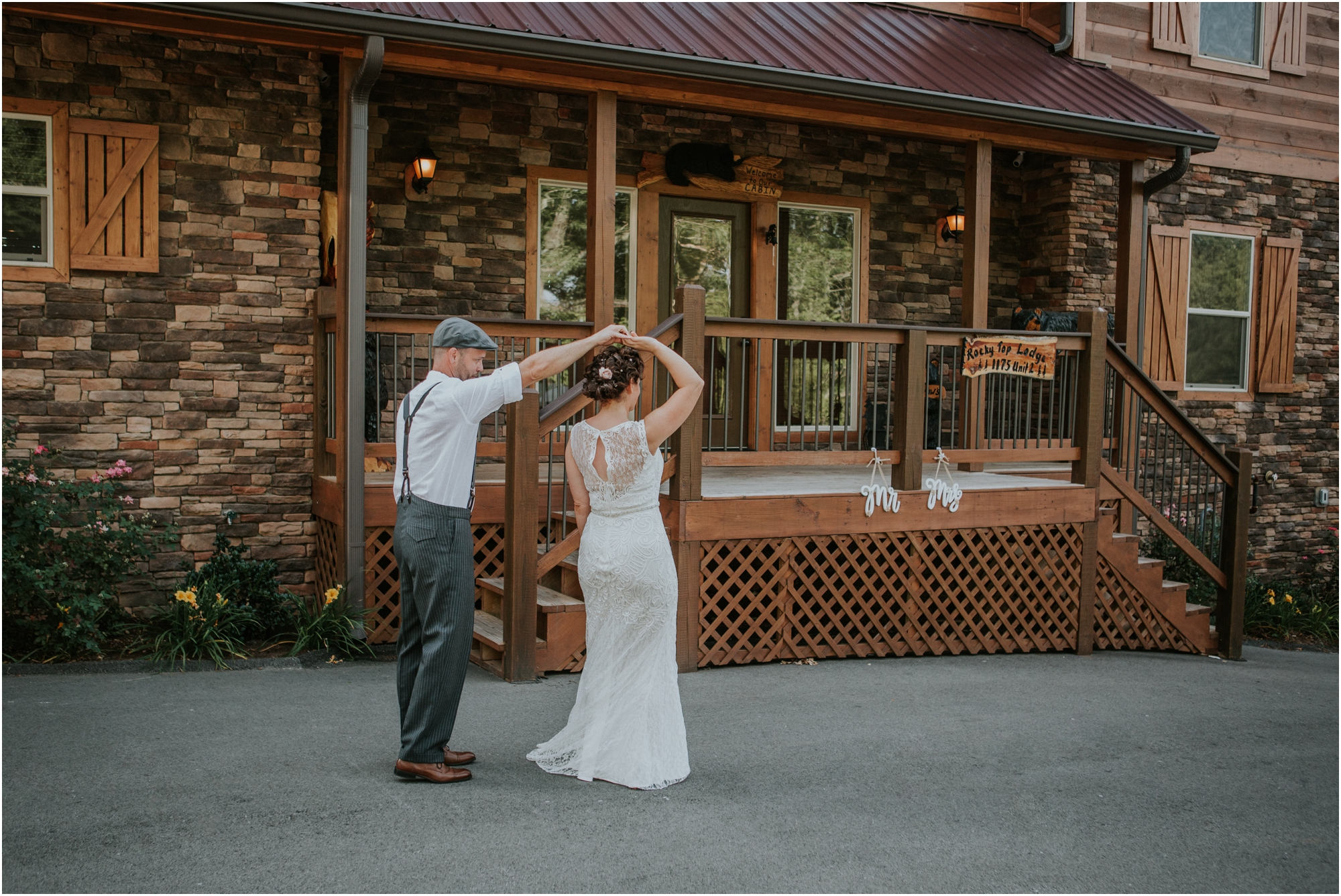 cabin-parkside-resort-the-magnolia-venue-tennessee-mountain-views-intimate-wedding_0064.jpg