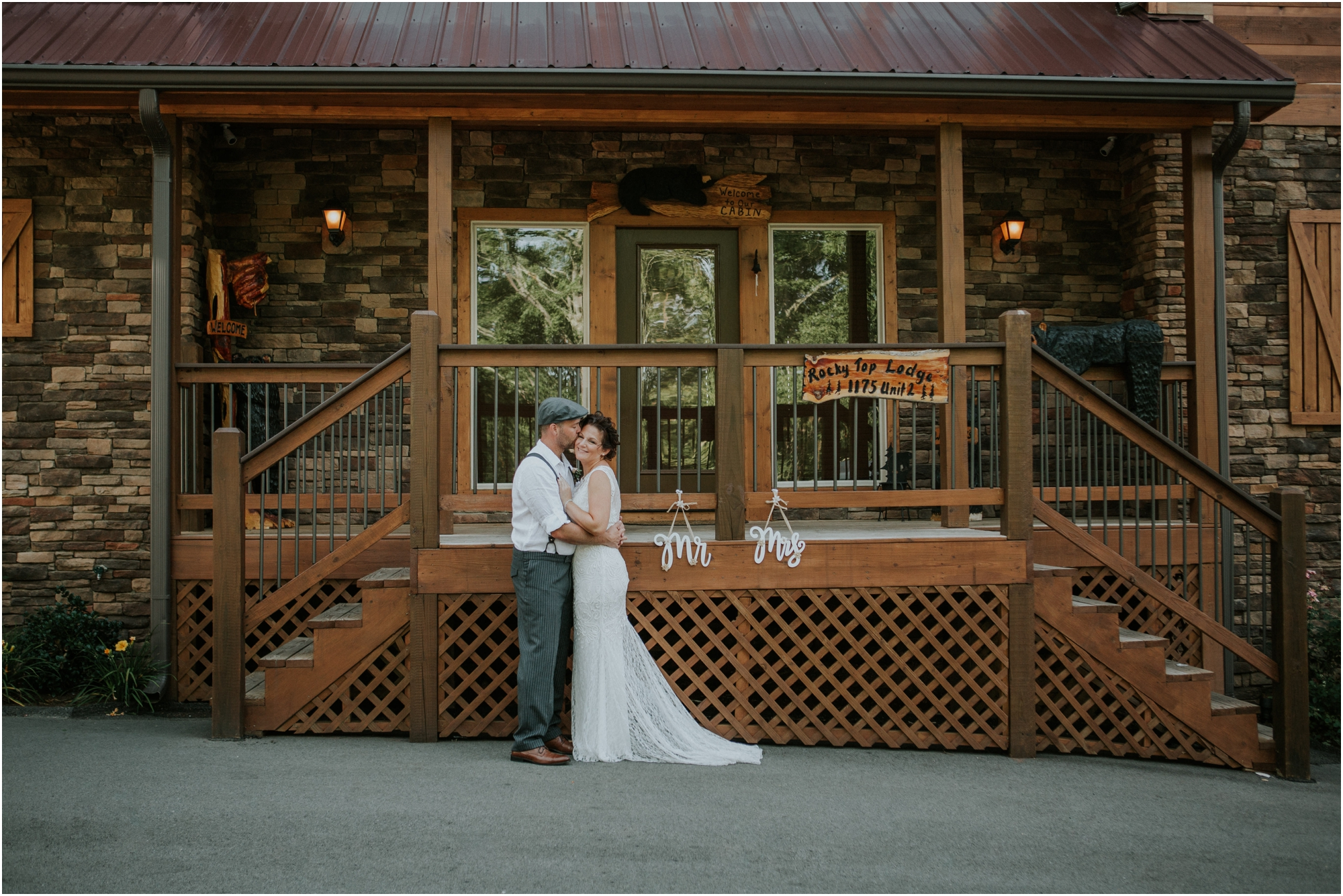 cabin-parkside-resort-the-magnolia-venue-tennessee-mountain-views-intimate-wedding_0066.jpg