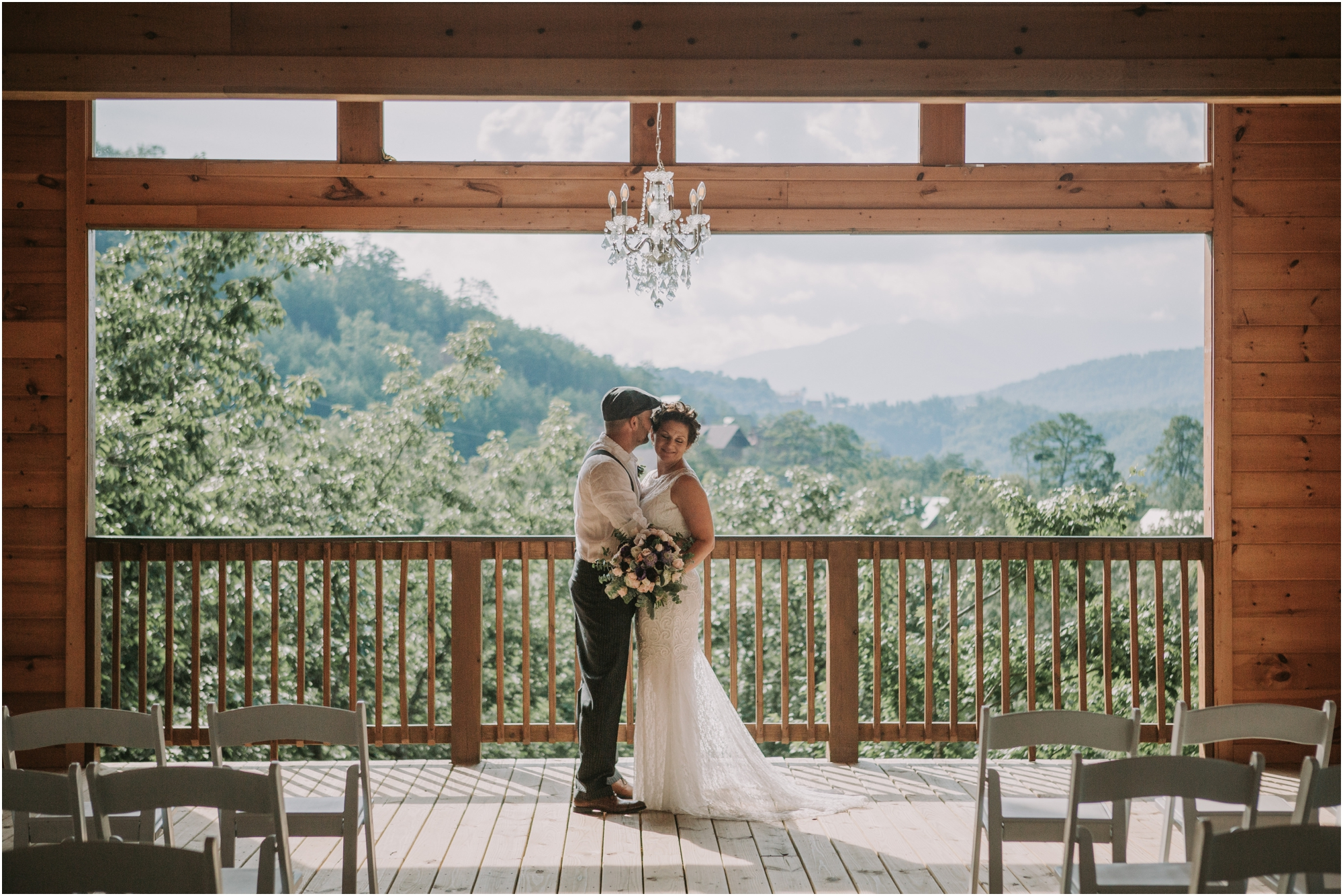 cabin-parkside-resort-the-magnolia-venue-tennessee-mountain-views-intimate-wedding_0071.jpg
