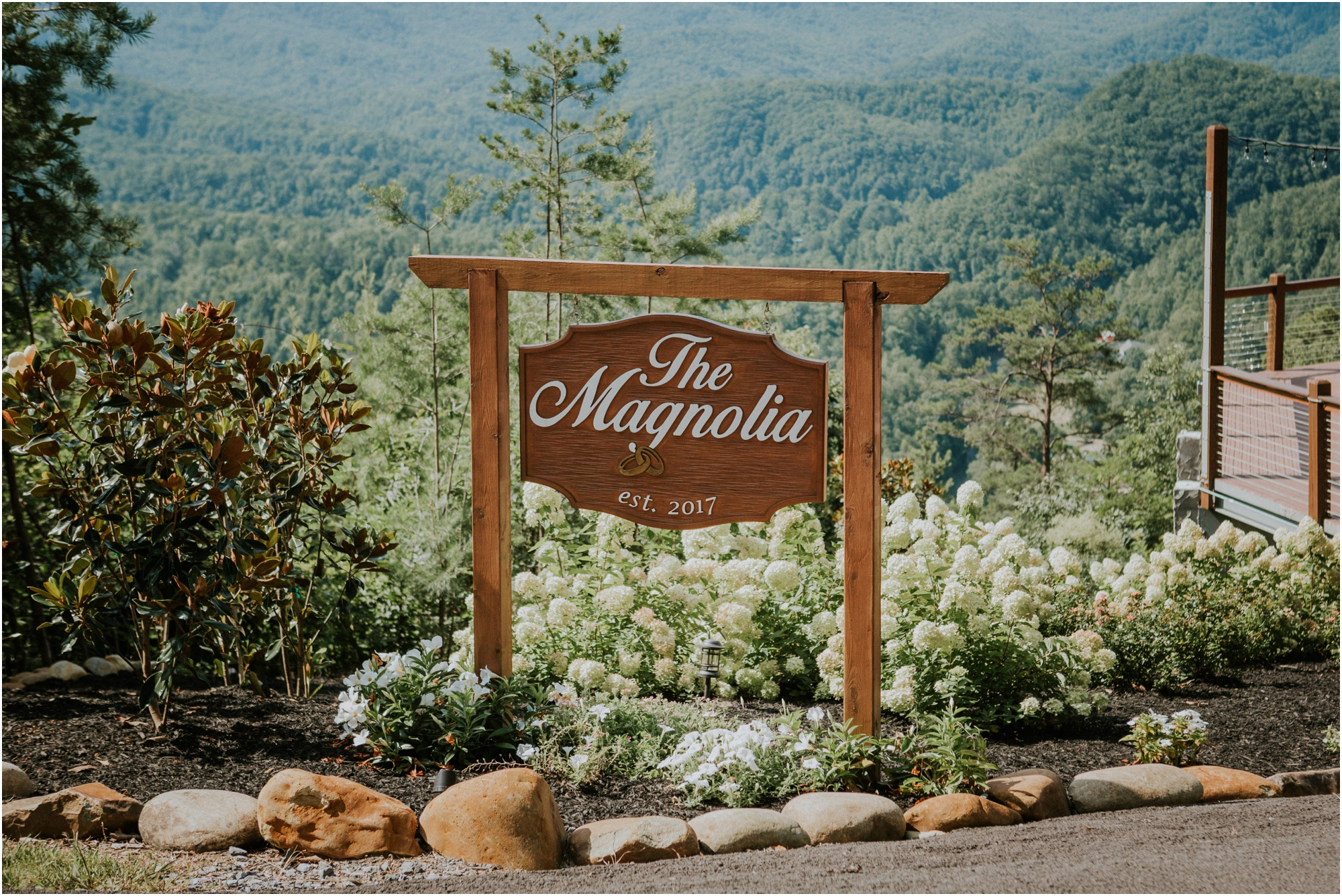 cabin-parkside-resort-the-magnolia-venue-tennessee-mountain-views-intimate-wedding_0100.jpg
