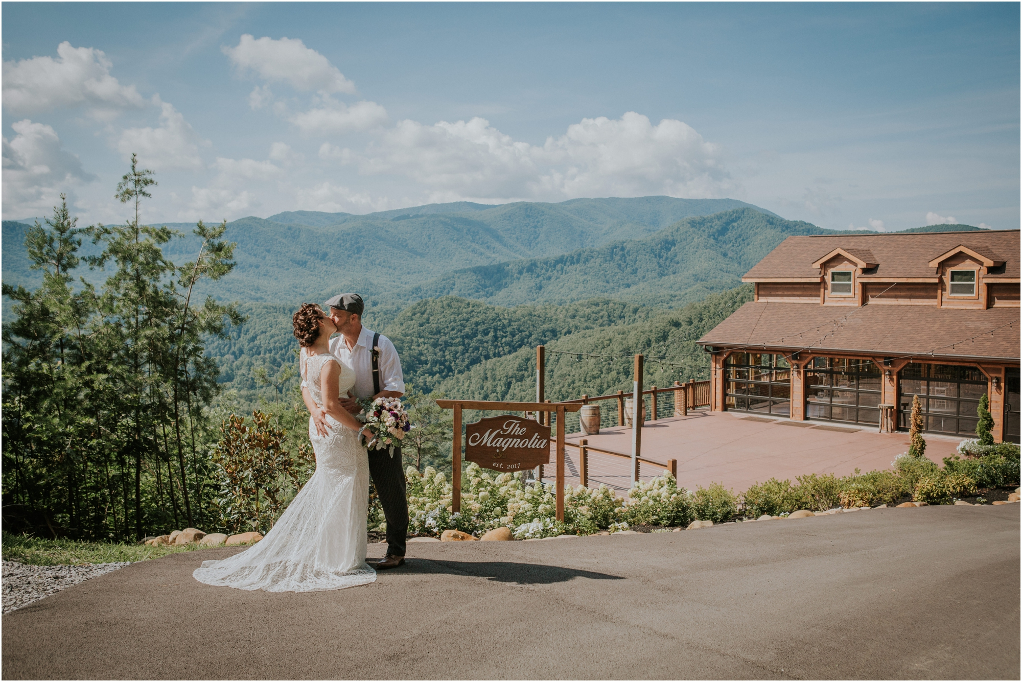 cabin-parkside-resort-the-magnolia-venue-tennessee-mountain-views-intimate-wedding_0102.jpg