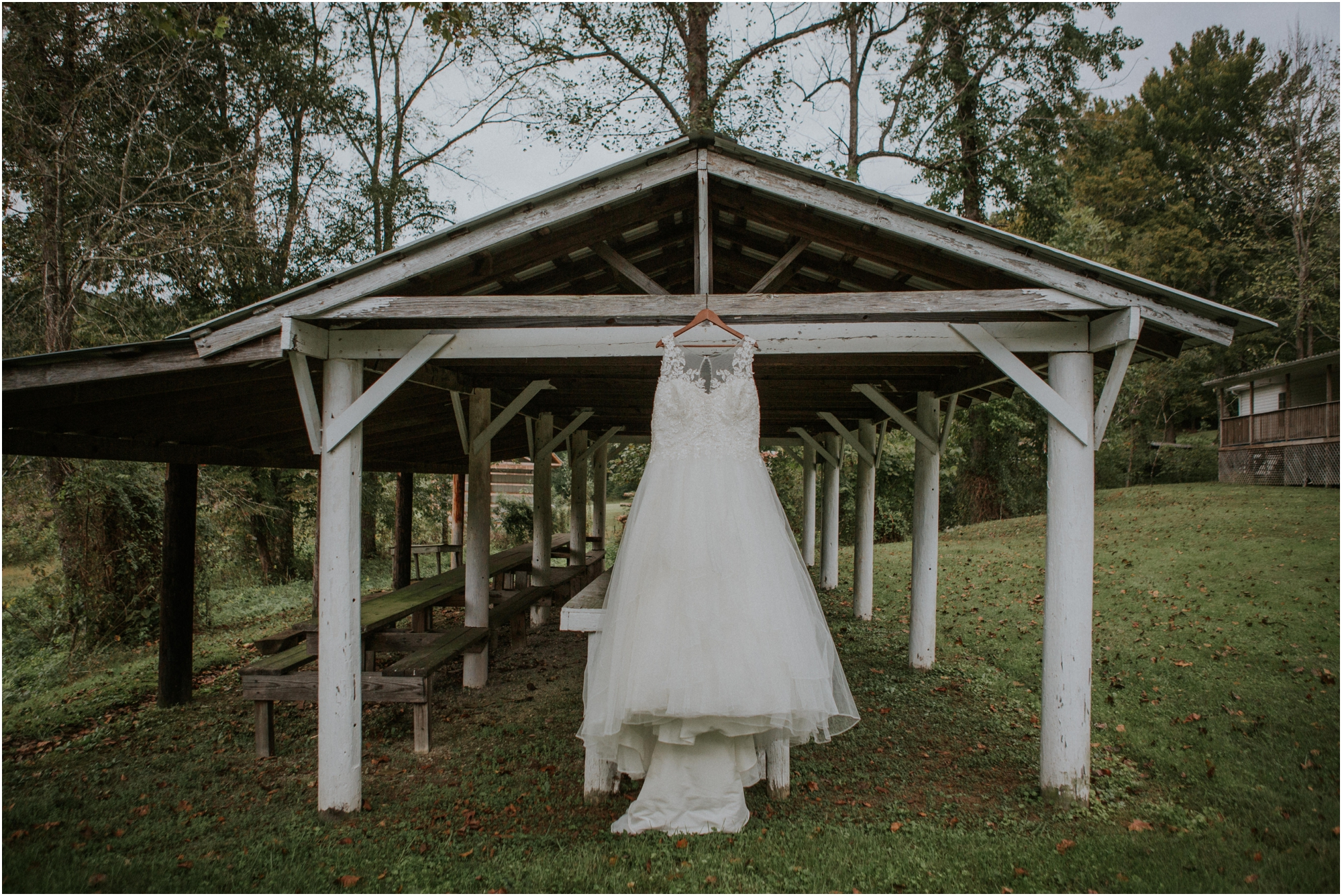 caryville-robbins-middle-tennessee-intimate-cozy-fall-navy-rustic-backyard-wedding_0003.jpg