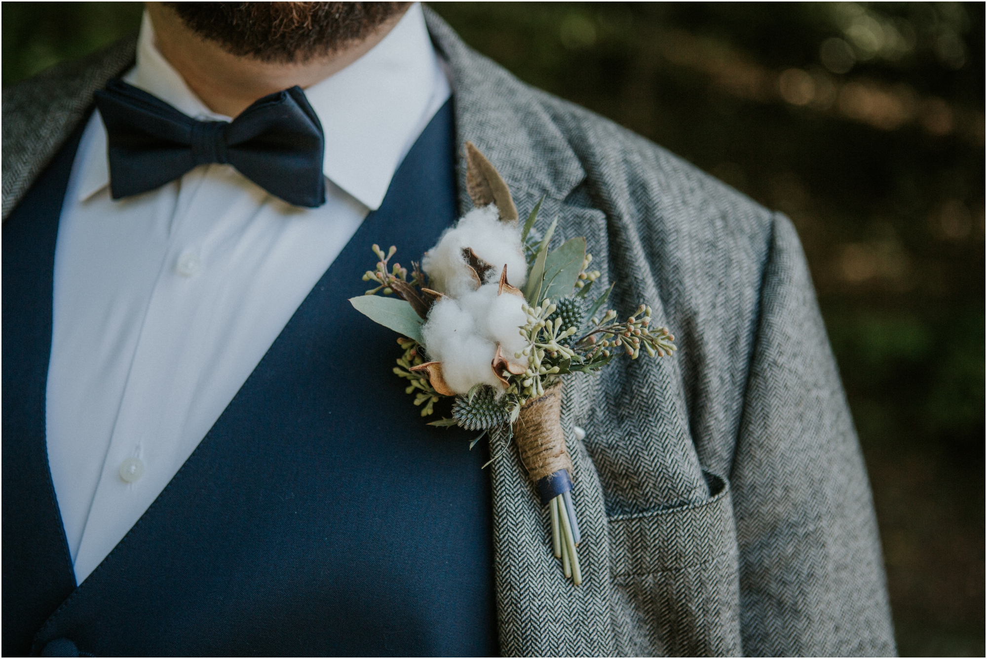 caryville-robbins-middle-tennessee-intimate-cozy-fall-navy-rustic-backyard-wedding_0033.jpg