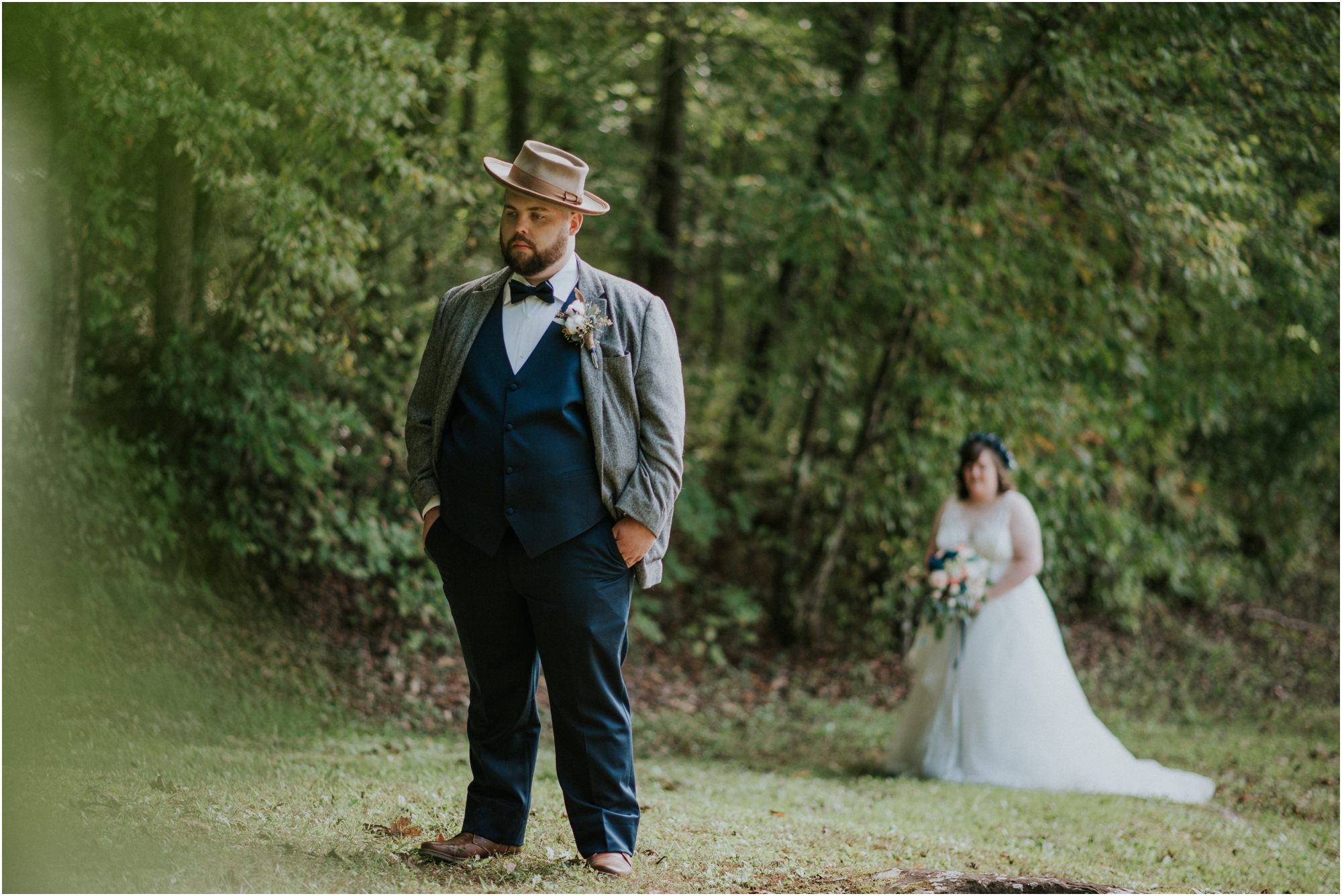 caryville-robbins-middle-tennessee-intimate-cozy-fall-navy-rustic-backyard-wedding_0036.jpg
