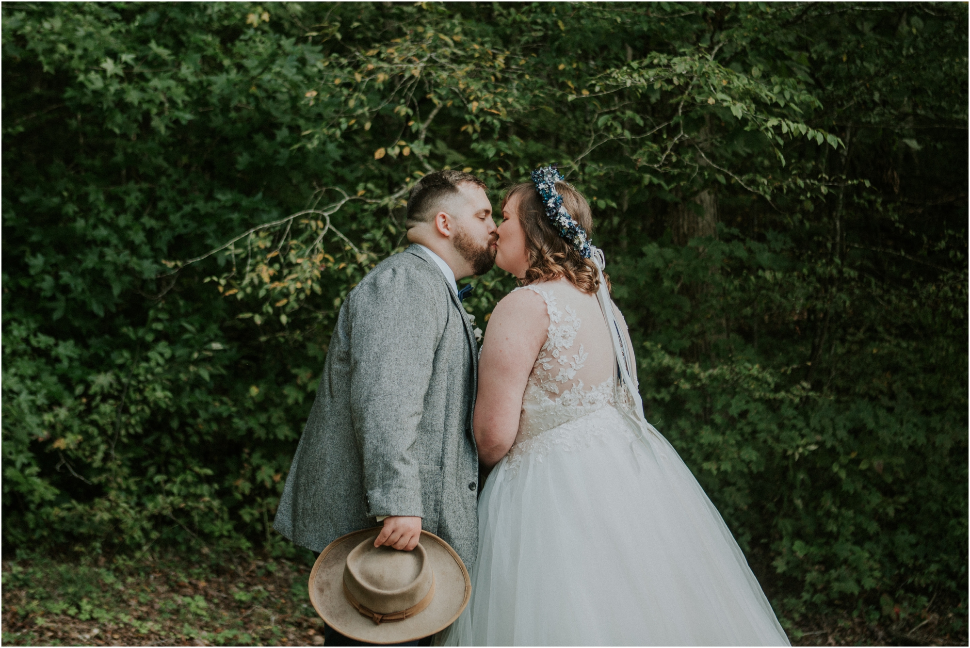 caryville-robbins-middle-tennessee-intimate-cozy-fall-navy-rustic-backyard-wedding_0041.jpg