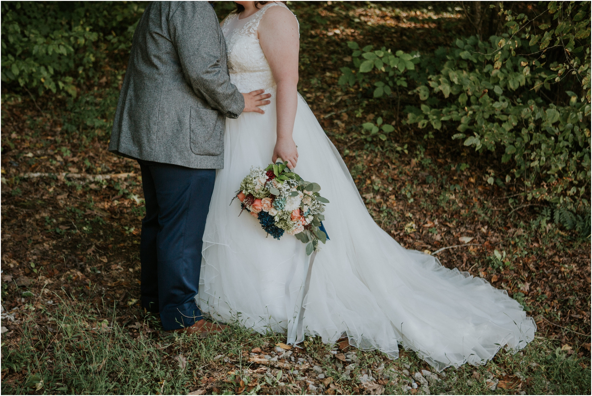 caryville-robbins-middle-tennessee-intimate-cozy-fall-navy-rustic-backyard-wedding_0046.jpg