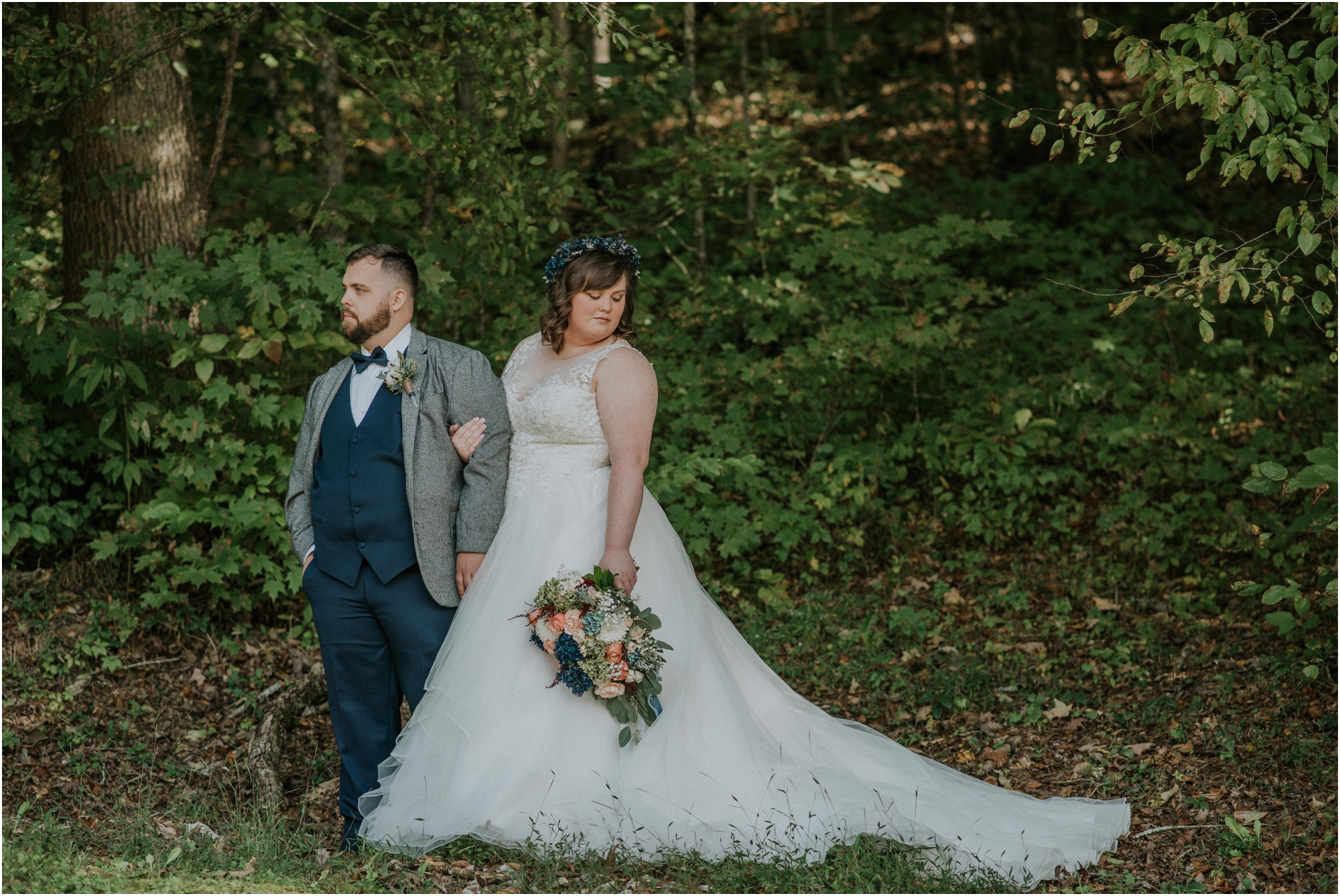 caryville-robbins-middle-tennessee-intimate-cozy-fall-navy-rustic-backyard-wedding_0048.jpg