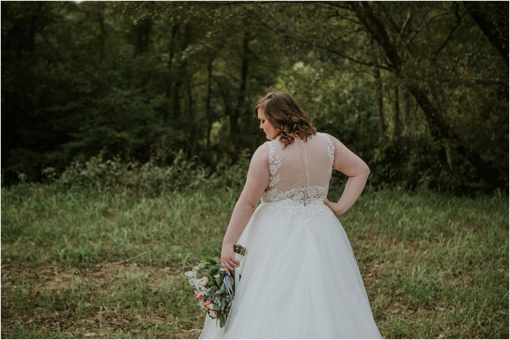 caryville-robbins-middle-tennessee-intimate-cozy-fall-navy-rustic-backyard-wedding_0093.jpg
