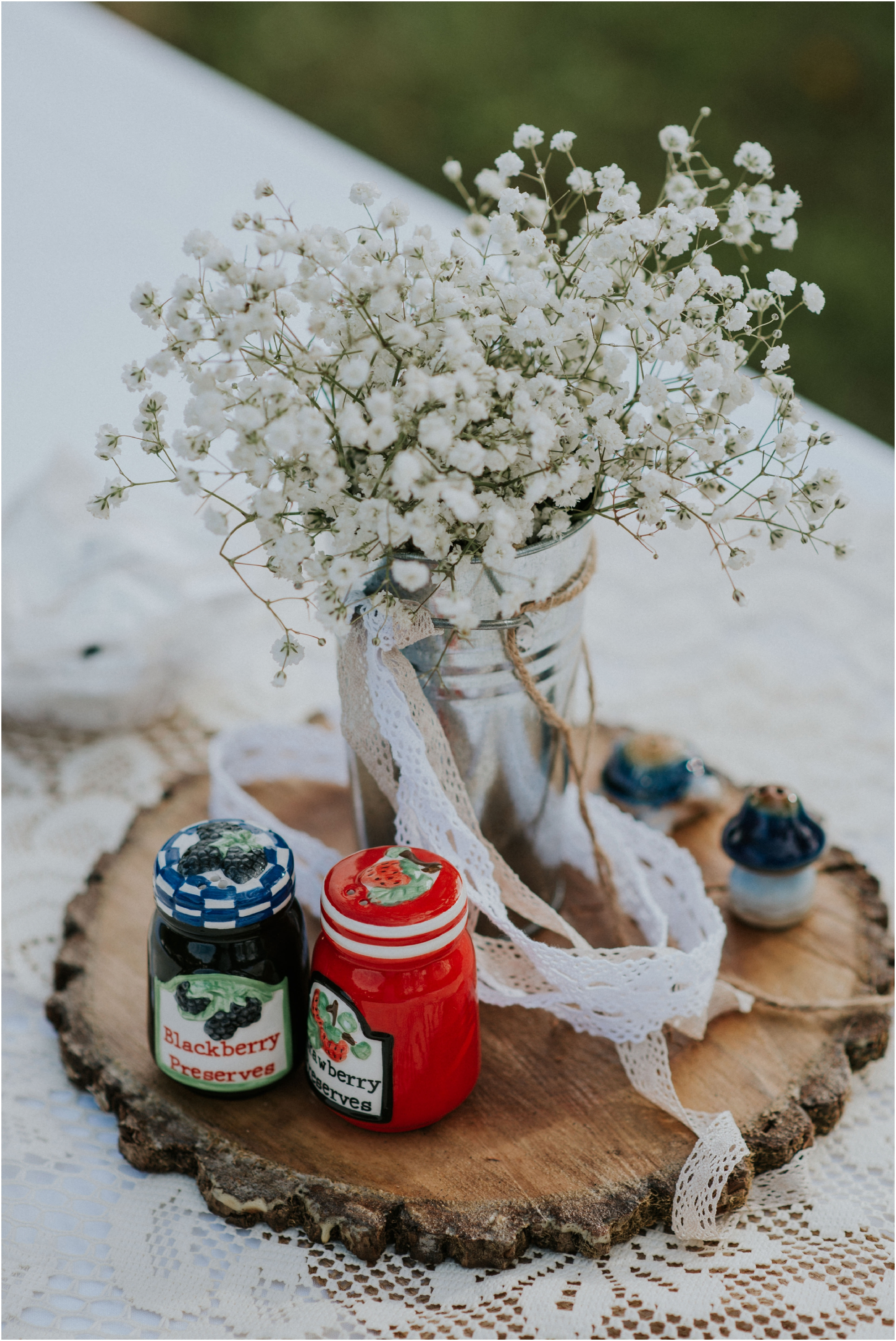 caryville-robbins-middle-tennessee-intimate-cozy-fall-navy-rustic-backyard-wedding_0108.jpg