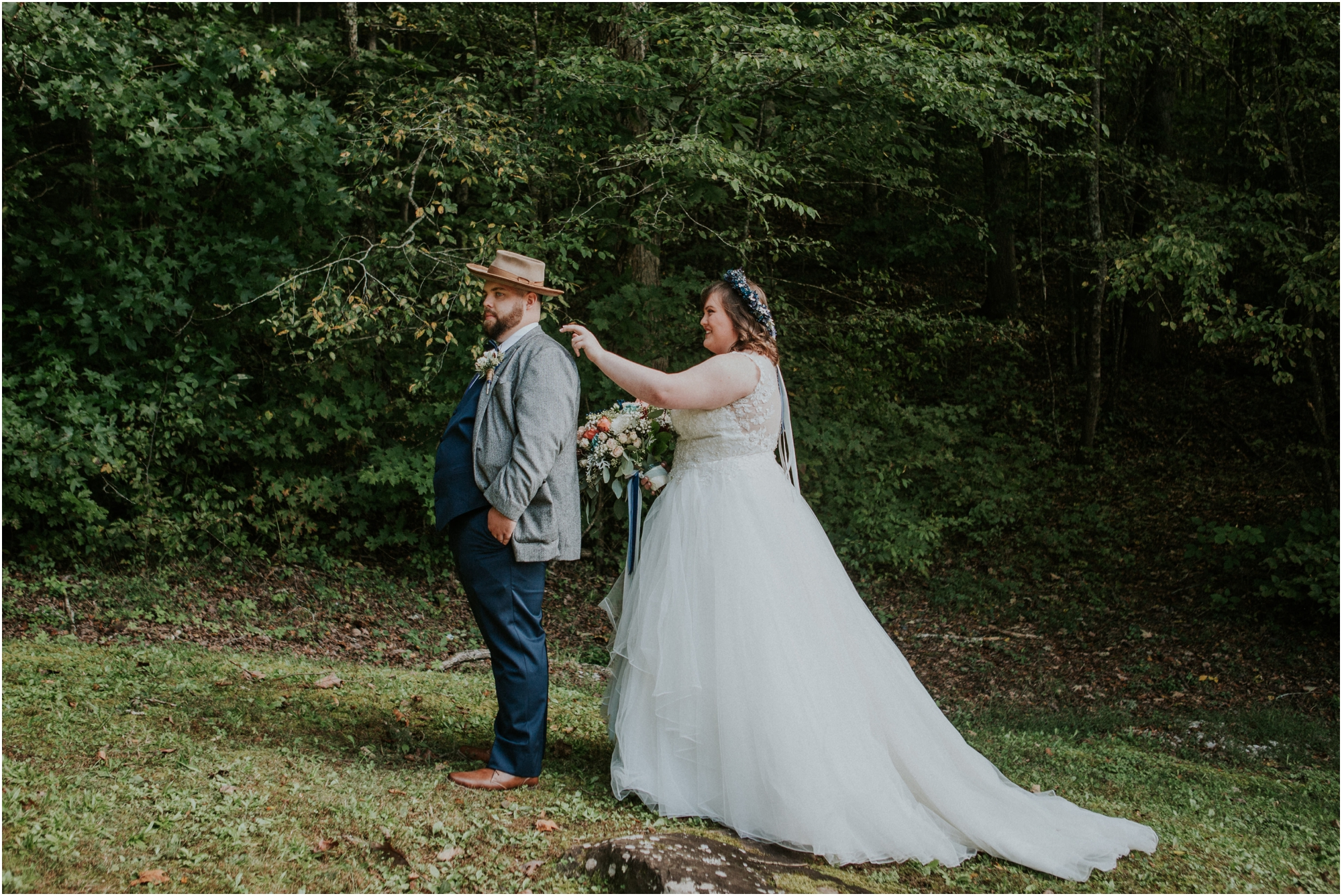 caryville-robbins-middle-tennessee-intimate-cozy-fall-navy-rustic-backyard-wedding_0038.jpg