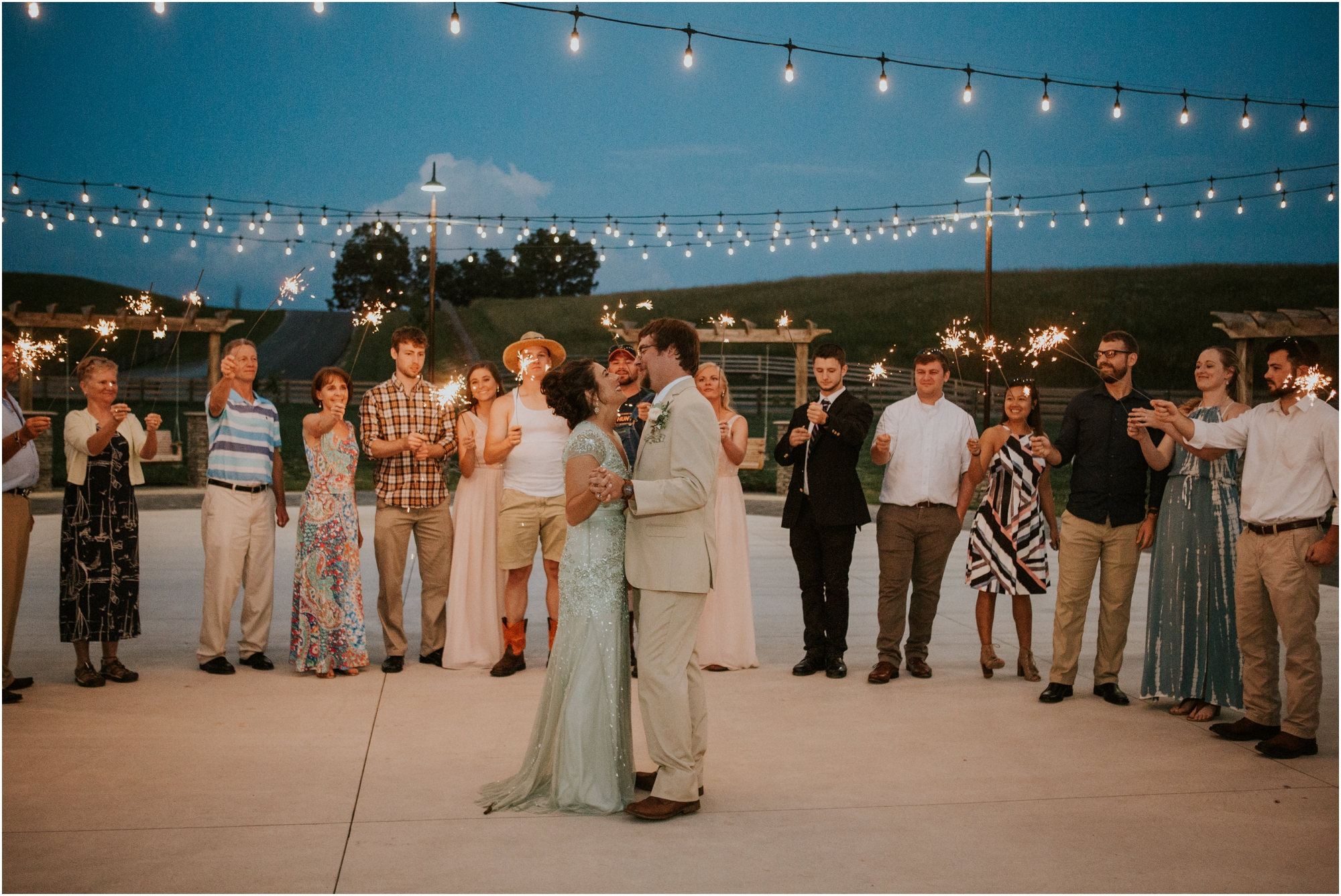 pink-rustic-apple-barn-howe-farms-elegant-summer-wedding-cleveland-tennessee-chattanooga-georgetown-tn_0177.jpg