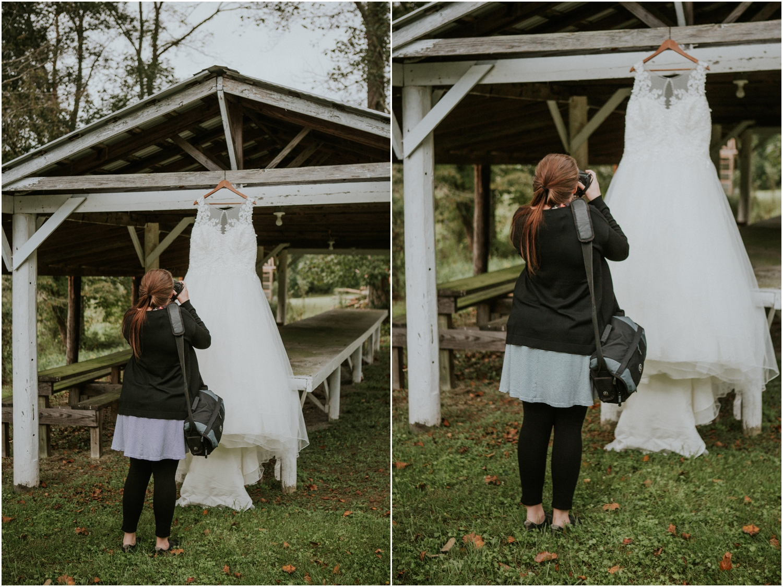 Lakyn's turn to shoot the dress!